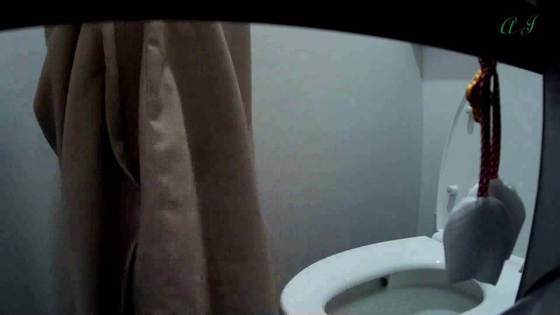 有名大学女性洗面所 vol.62 会話が弾む化粧室!! 潜入  65PIX 54