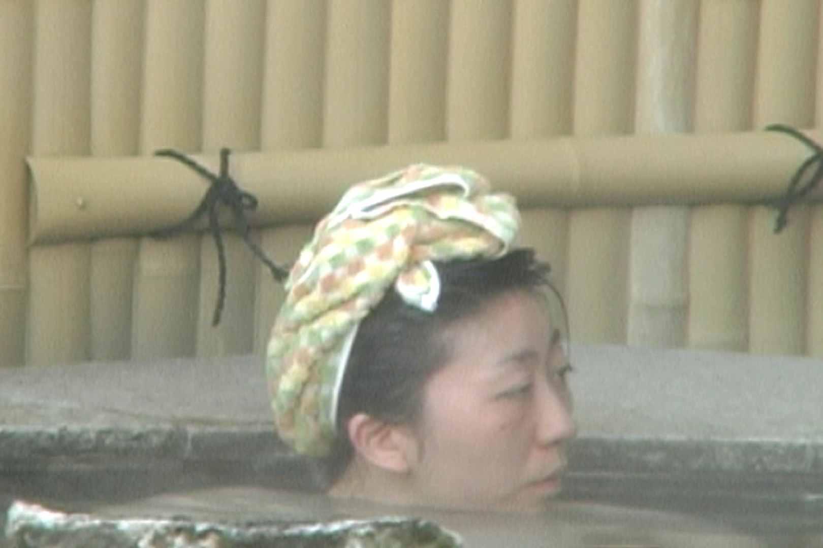 女露天風呂劇場 Vol.37 OLのボディ  99PIX 64
