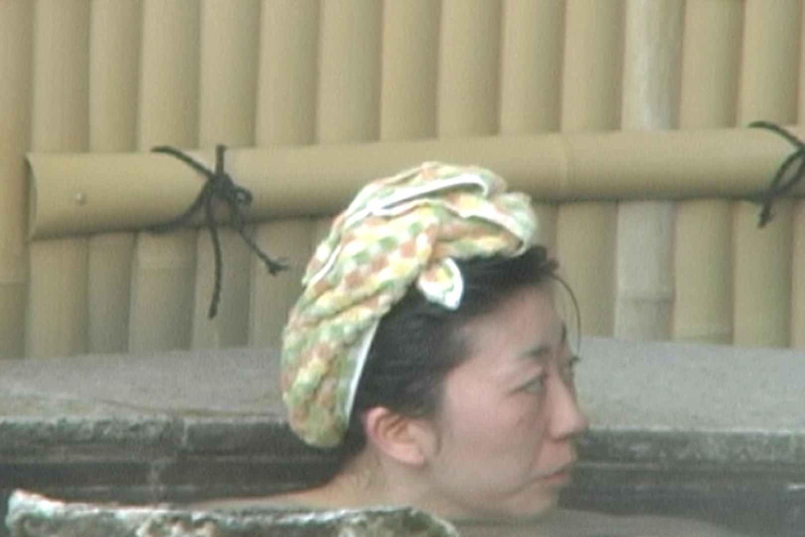 女露天風呂劇場 Vol.37 OLのボディ  99PIX 66