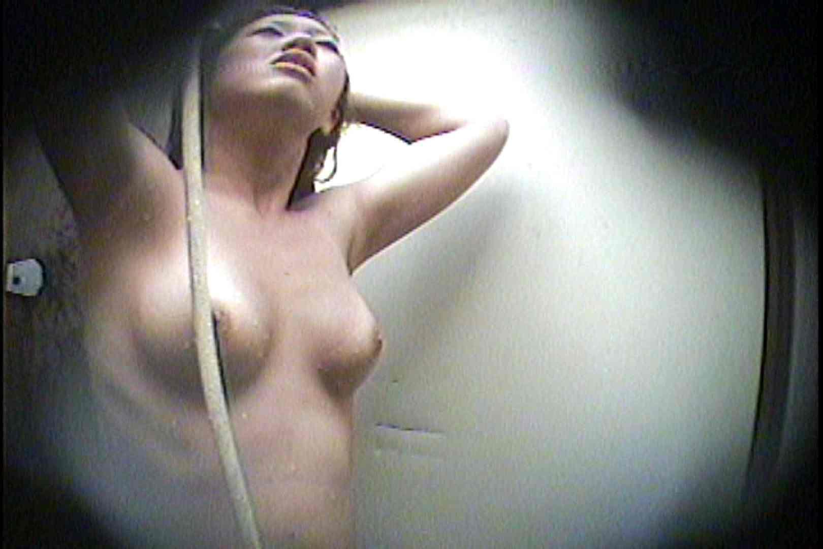 海の家の更衣室 Vol.21 OLのボディ   シャワー  99PIX 46