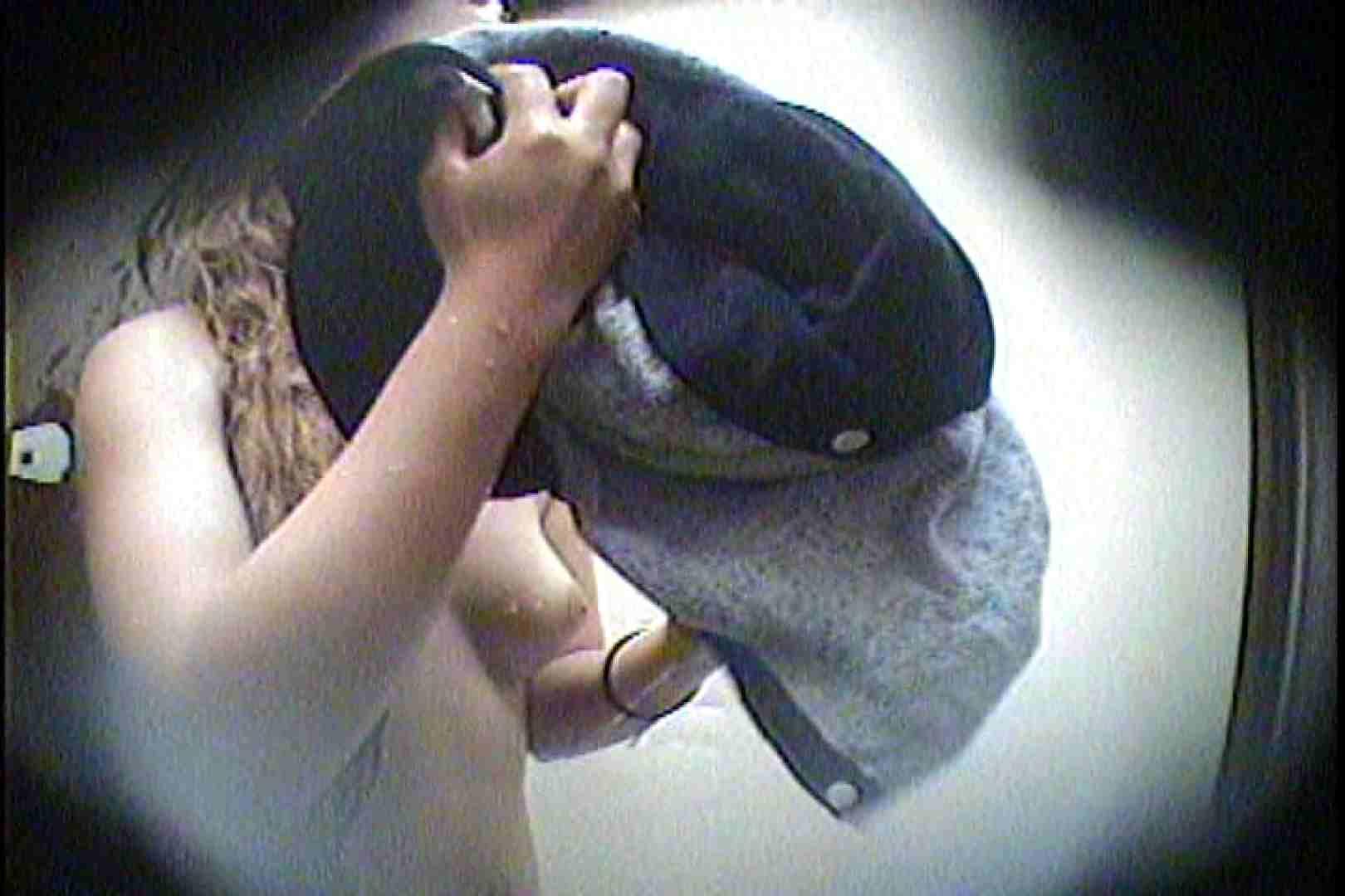 海の家の更衣室 Vol.21 OLのボディ   シャワー  99PIX 64
