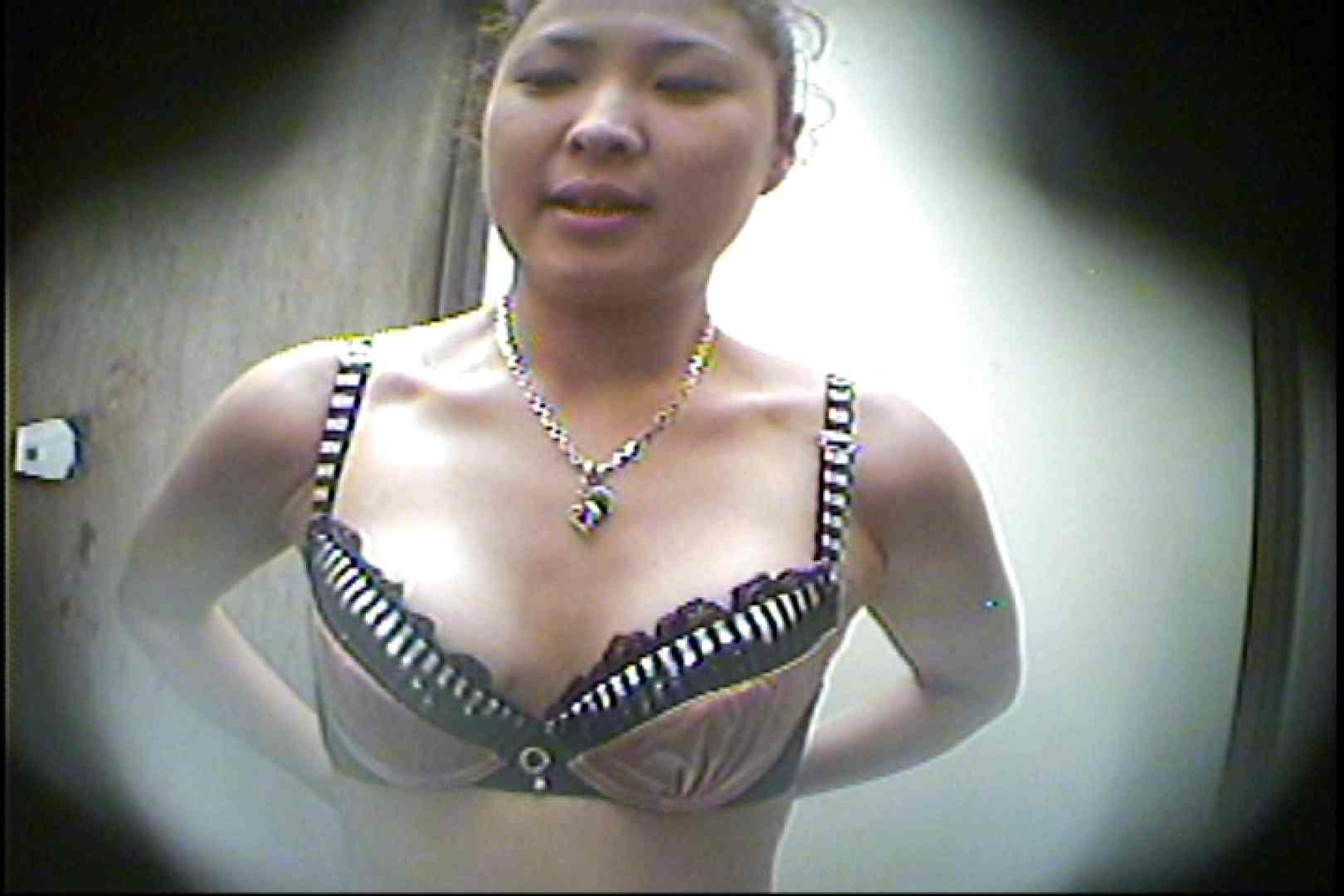 海の家の更衣室 Vol.28 美女のボディ  50PIX 48