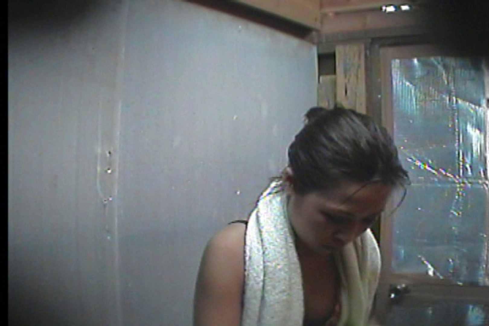 海の家の更衣室 Vol.55 シャワー エロ無料画像 80PIX 17