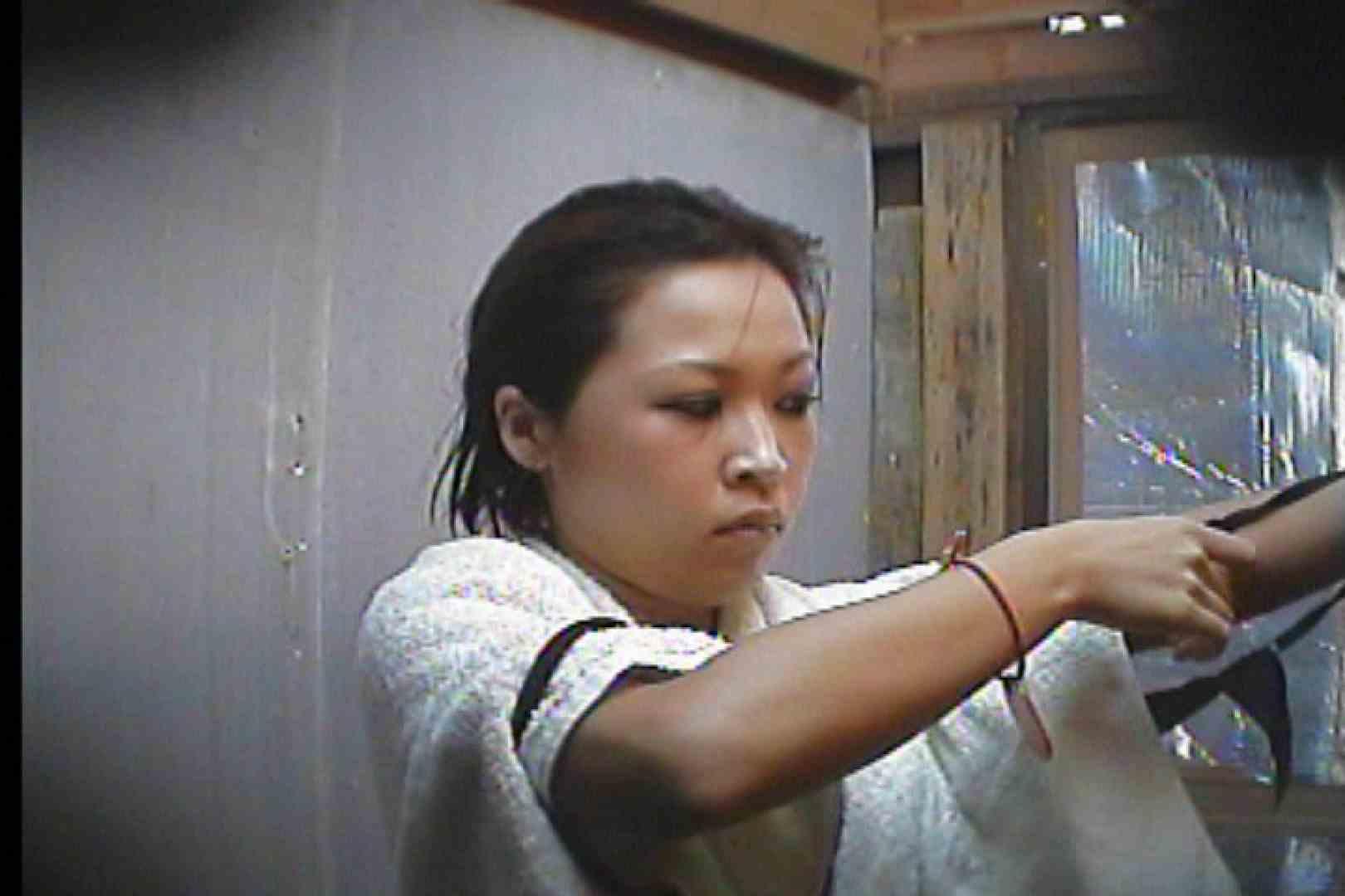 海の家の更衣室 Vol.55 シャワー エロ無料画像 80PIX 71