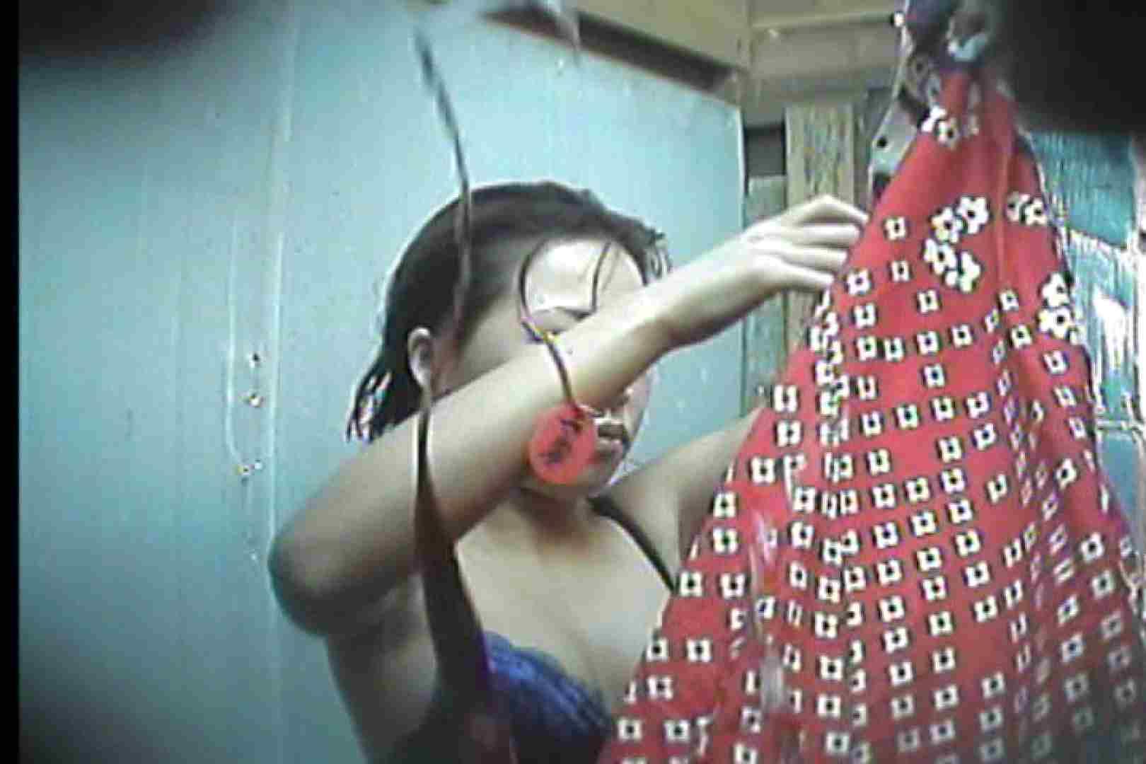 海の家の更衣室 Vol.55 OLのボディ | 美女のボディ  80PIX 76