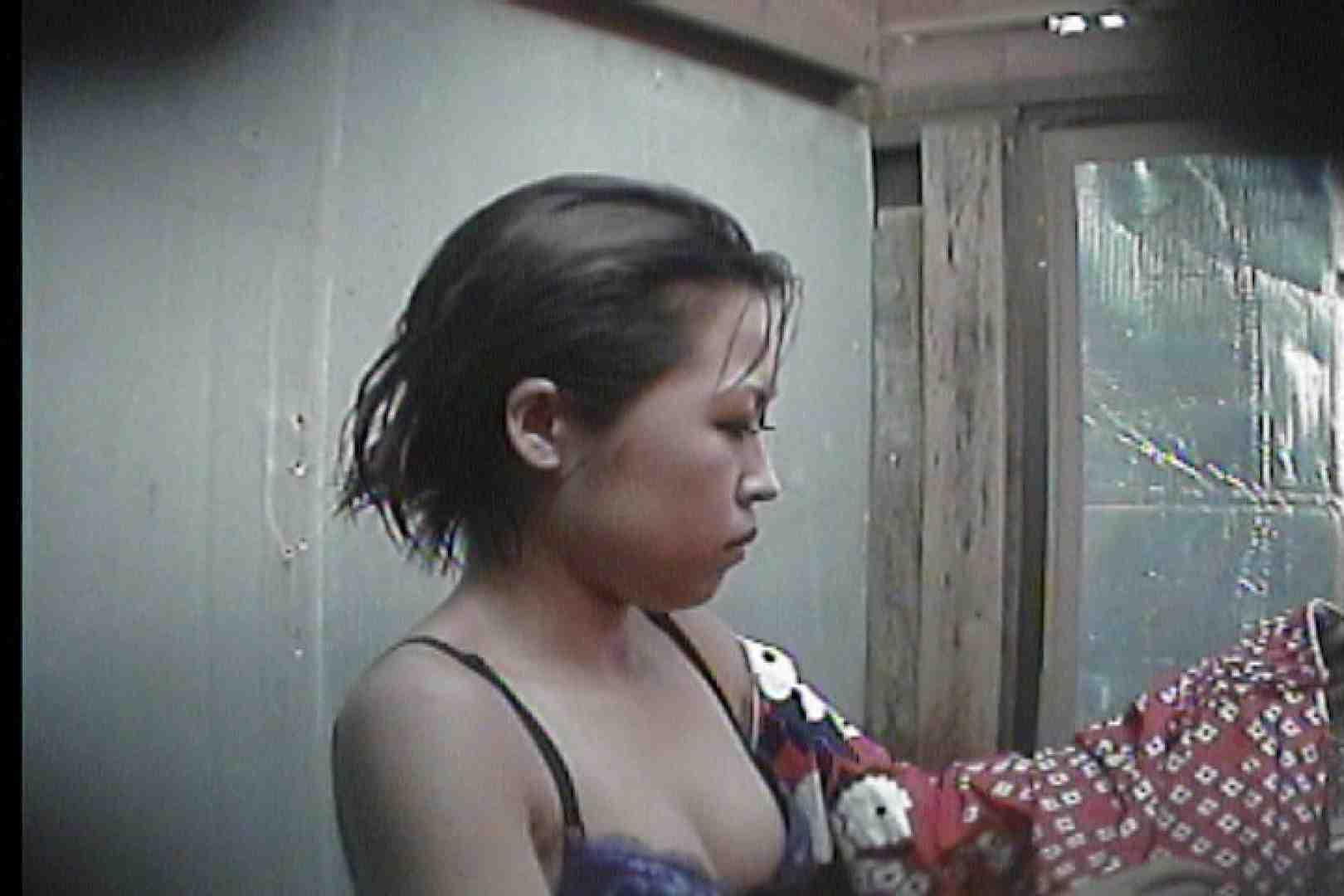 海の家の更衣室 Vol.55 シャワー エロ無料画像 80PIX 77