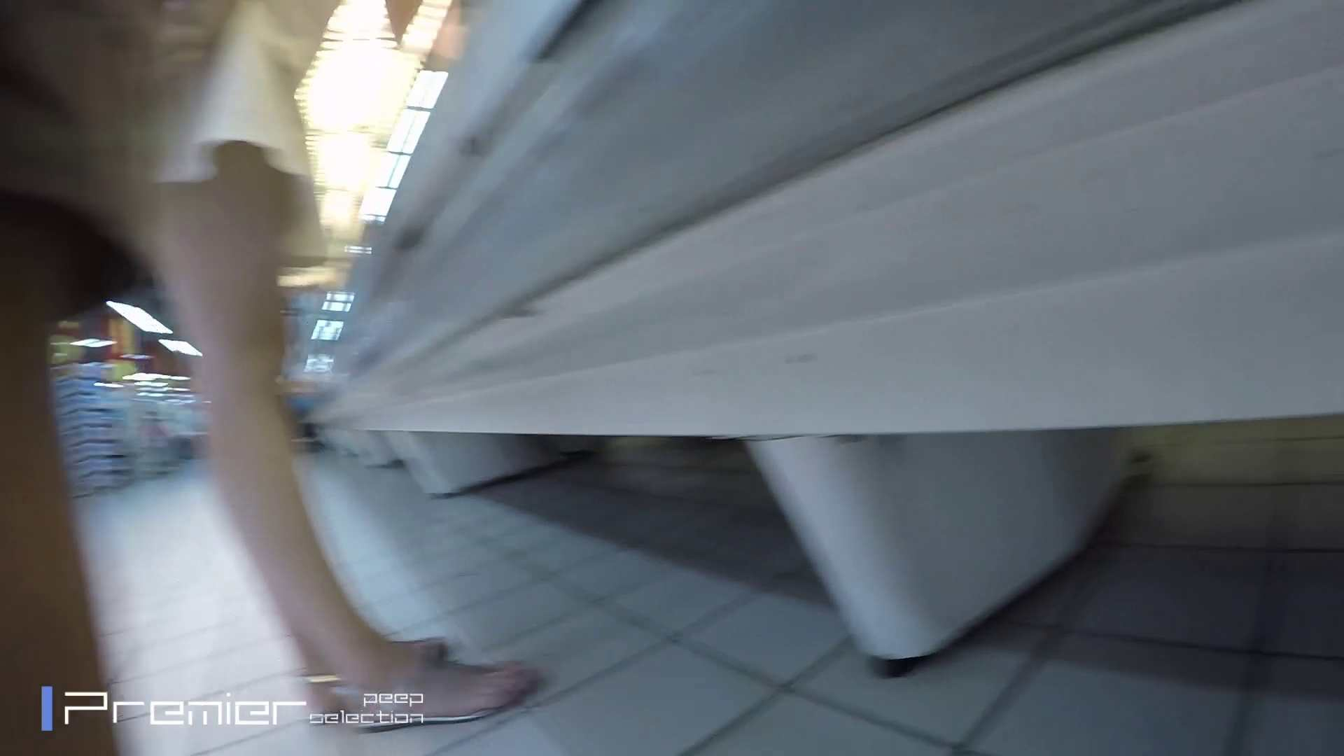 白ミニワンピから覗むピンクの華 美女の下半身を粘着撮り! Vol.01 お姉さんのボディ オマンコ動画キャプチャ 59PIX 47