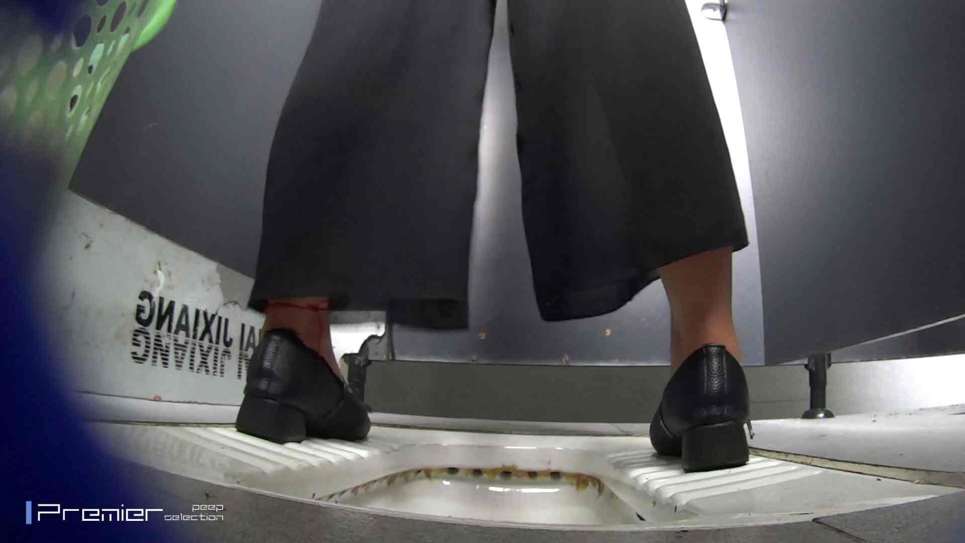 夏全開!ハーフパンツのギャル達 大学休憩時間の洗面所事情44 美女のボディ 戯れ無修正画像 70PIX 11