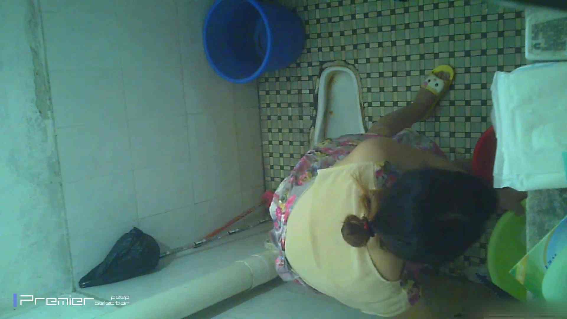 美女の痴態に密着!洗面所で入浴! 潜入 | パンチラ  90PIX 15