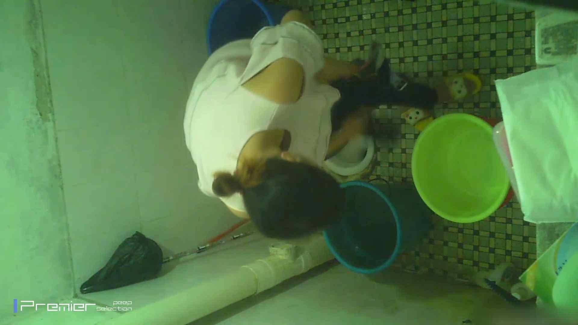 美女の痴態に密着!洗面所で入浴! 潜入 | パンチラ  90PIX 22