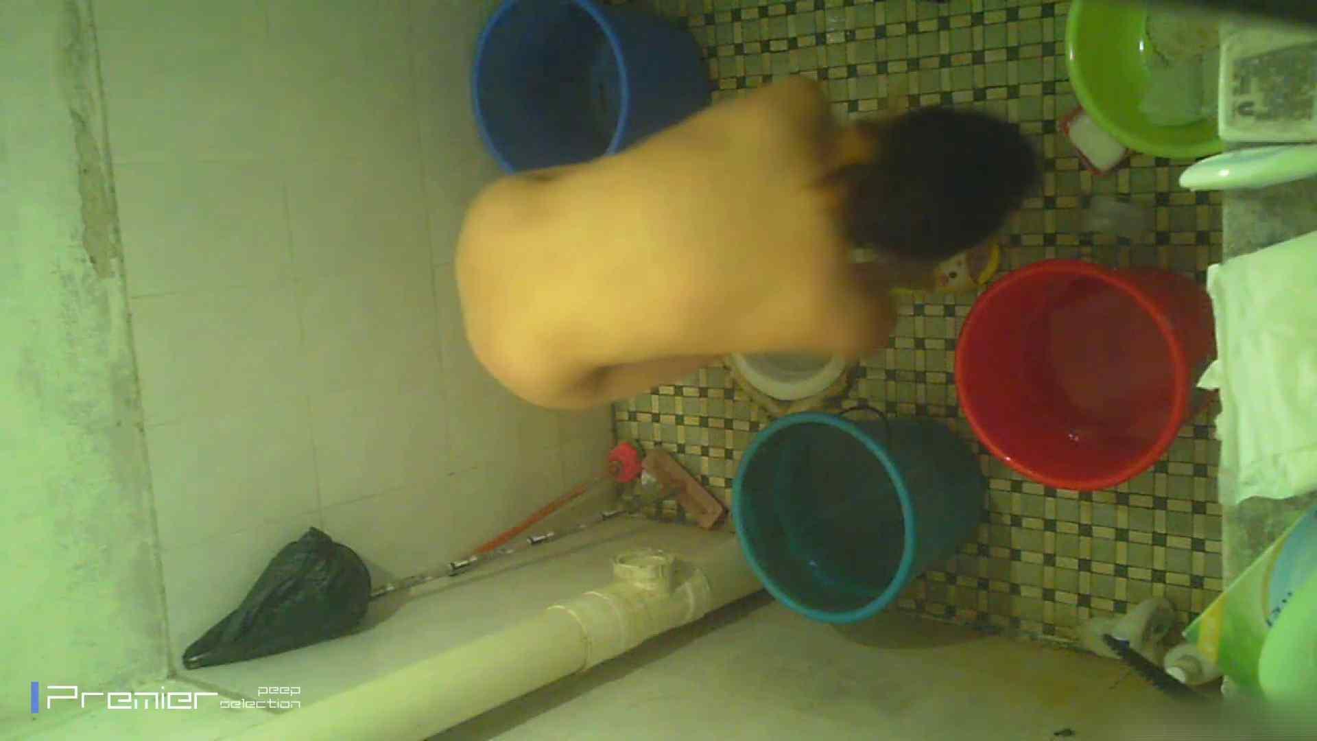 美女の痴態に密着!洗面所で入浴! 盗撮 戯れ無修正画像 90PIX 45