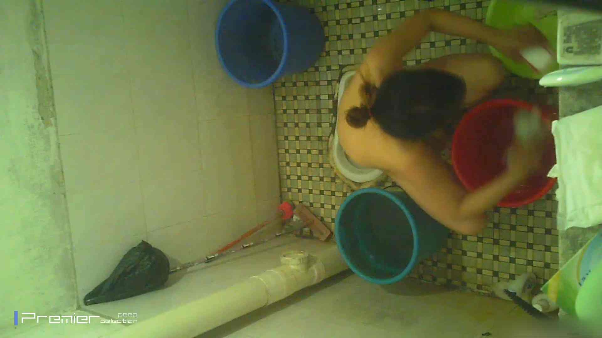 美女の痴態に密着!洗面所で入浴! 潜入 | パンチラ  90PIX 50