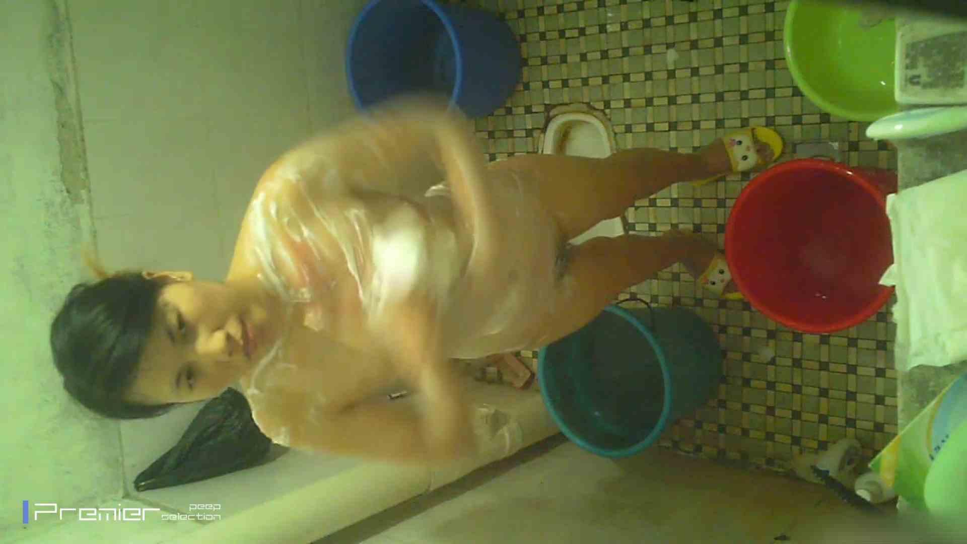 美女の痴態に密着!洗面所で入浴! 盗撮 戯れ無修正画像 90PIX 59