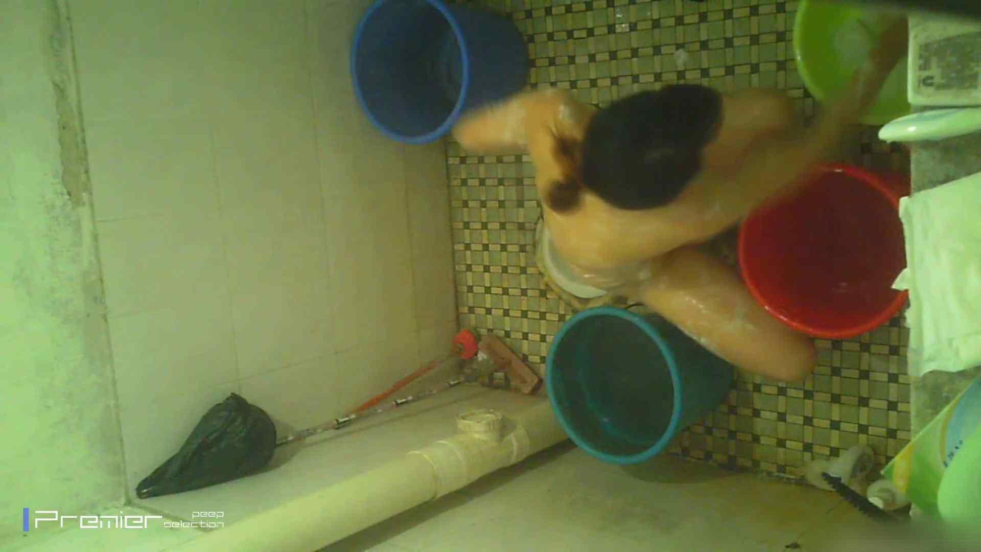 美女の痴態に密着!洗面所で入浴! 洗面所 エロ画像 90PIX 65