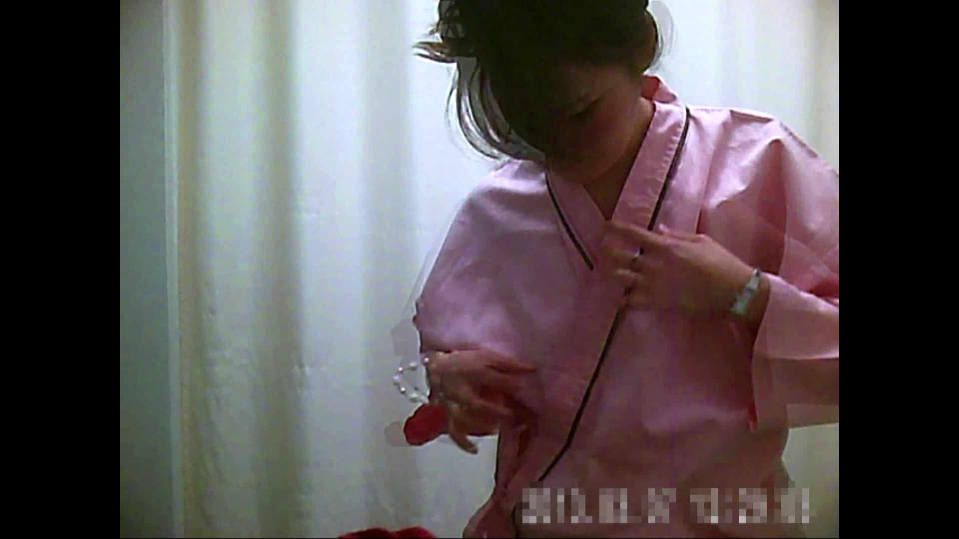 元医者による反抗 更衣室地獄絵巻 vol.100 OLのボディ   0  70PIX 49