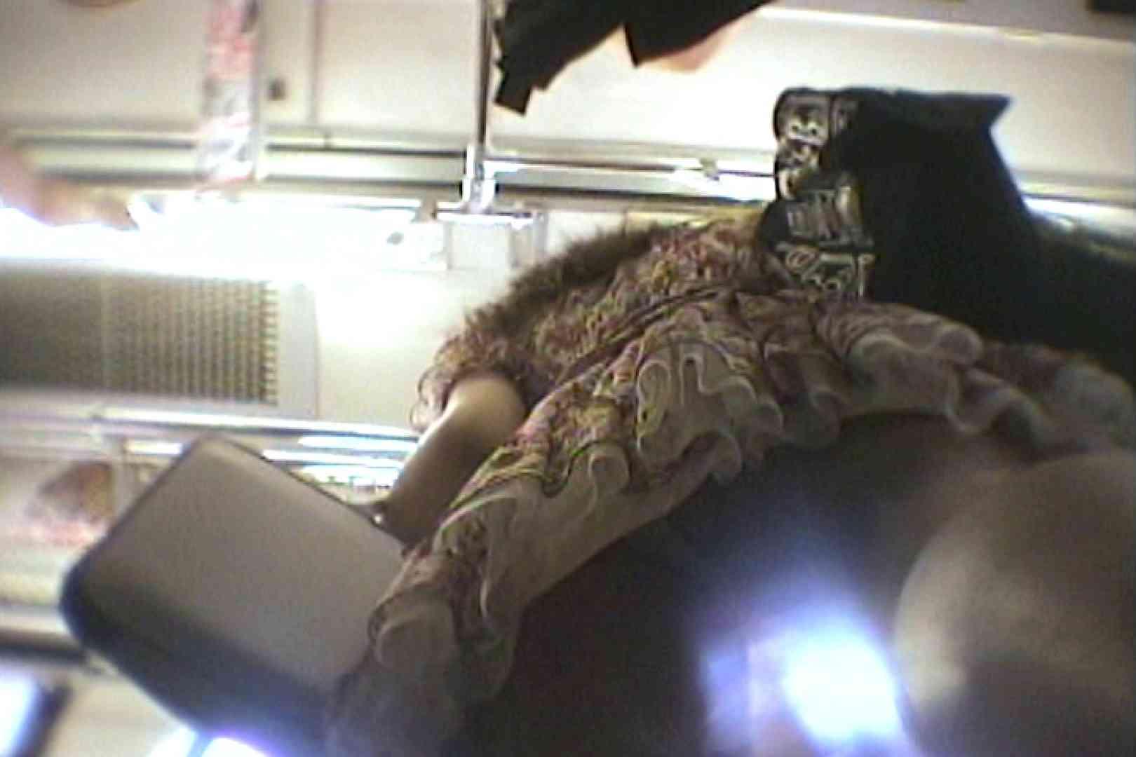 会員No.6 KAIさんのパンチラOL通勤の会 チラ見せ | パンチラ  107PIX 1