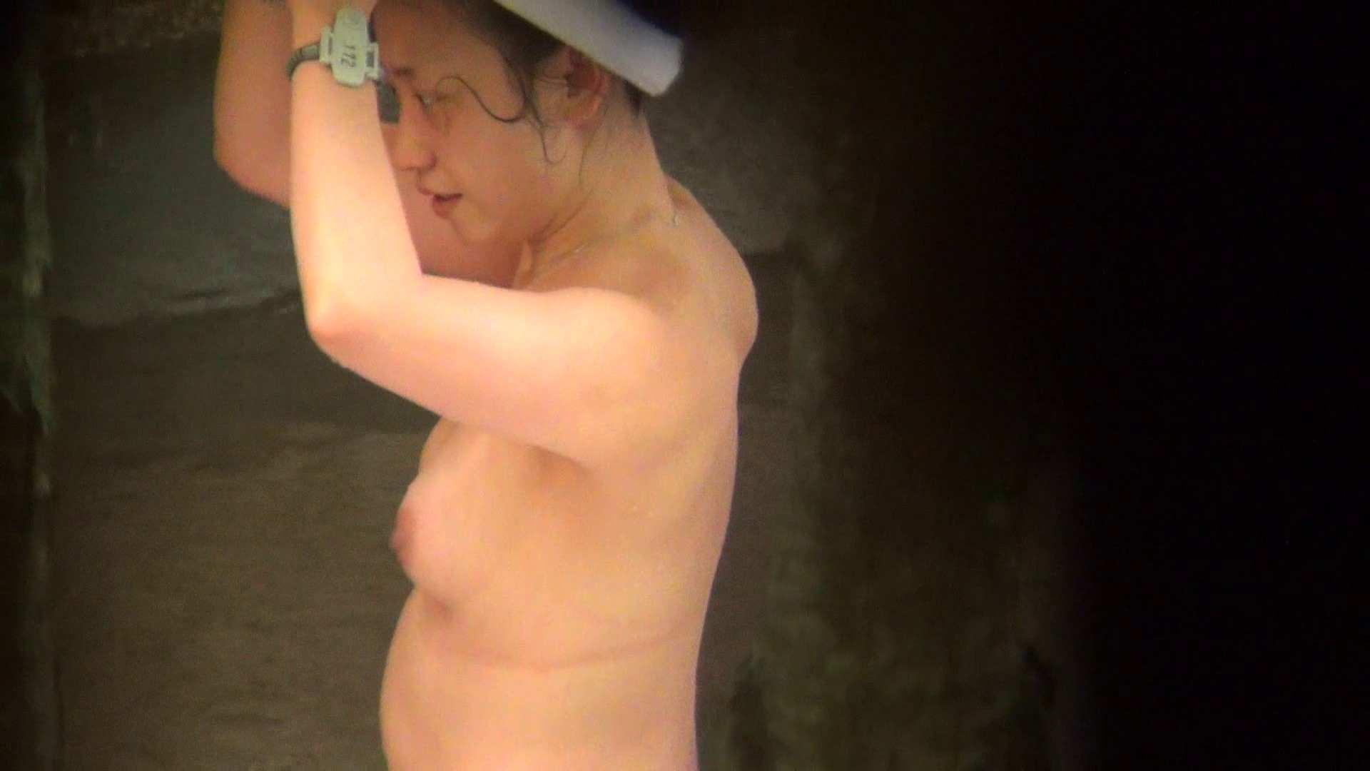 Vol.80 出産経験済みの弛んだ肉体と大胆すぎるアングル 美女のボディ | 露天  54PIX 49