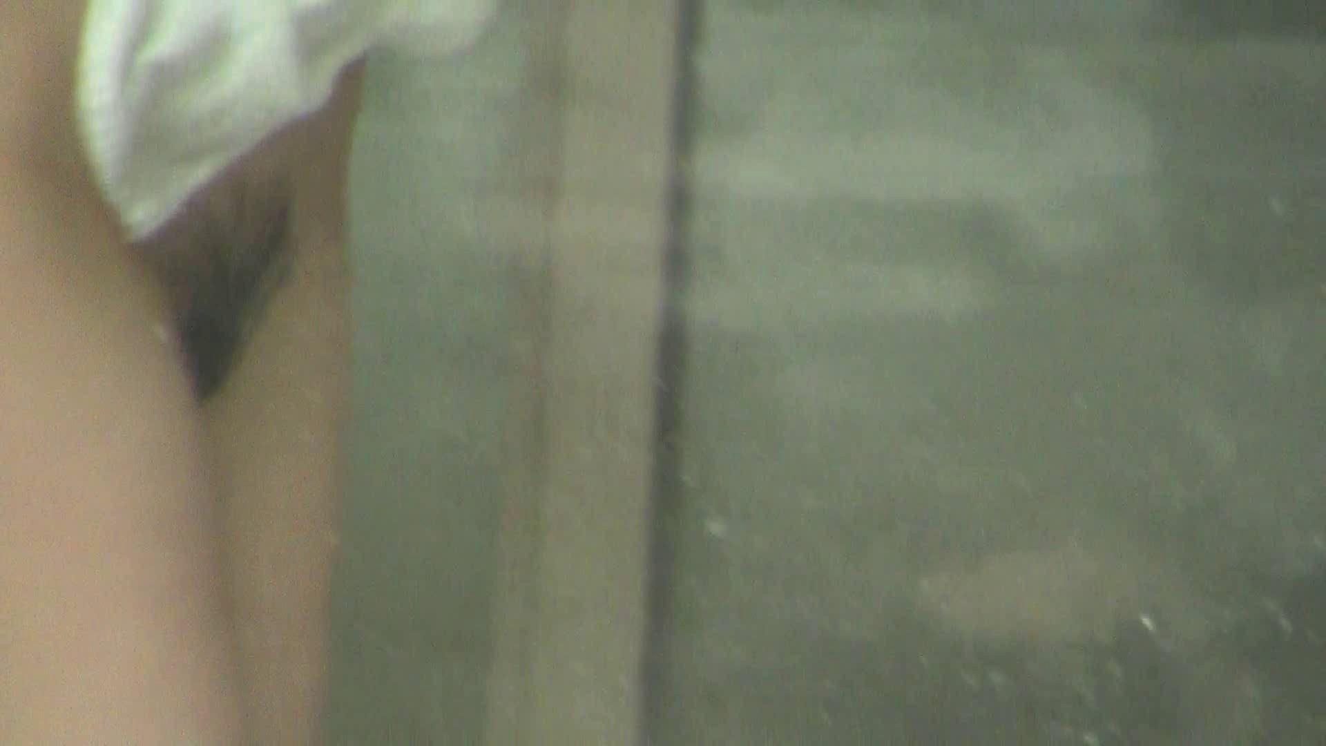 Vol.83 熟しても以前可愛らしさ保つ美年増 OLのボディ のぞき動画画像 62PIX 56