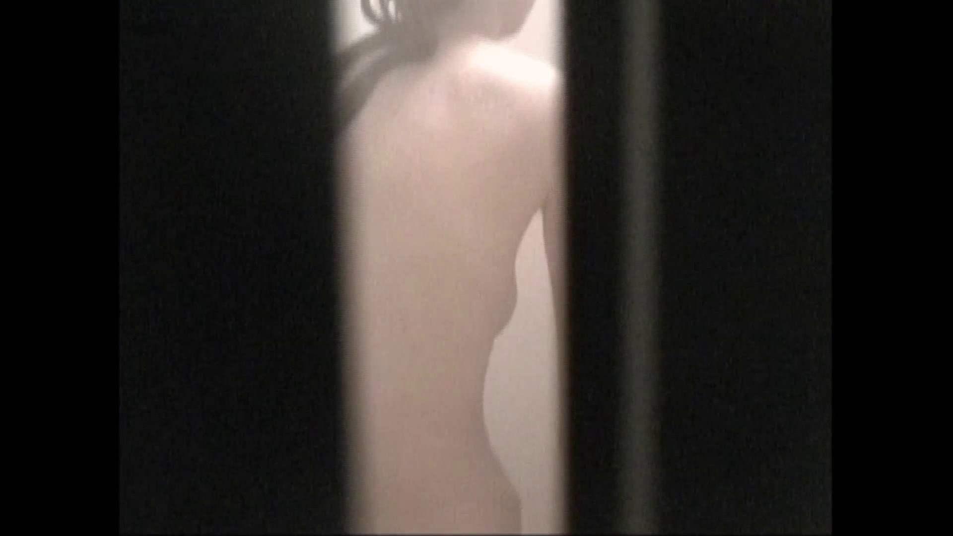 隙間からノゾク風呂 Vol.29 股をグイッとひらいて・・・。 入浴中の女性 | OLのボディ  69PIX 11