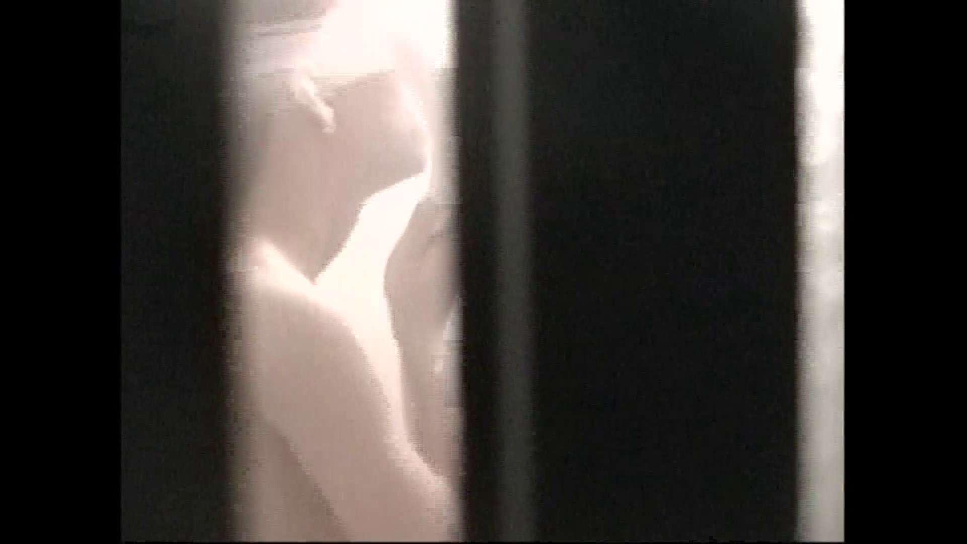 隙間からノゾク風呂 Vol.29 股をグイッとひらいて・・・。 入浴中の女性  69PIX 48