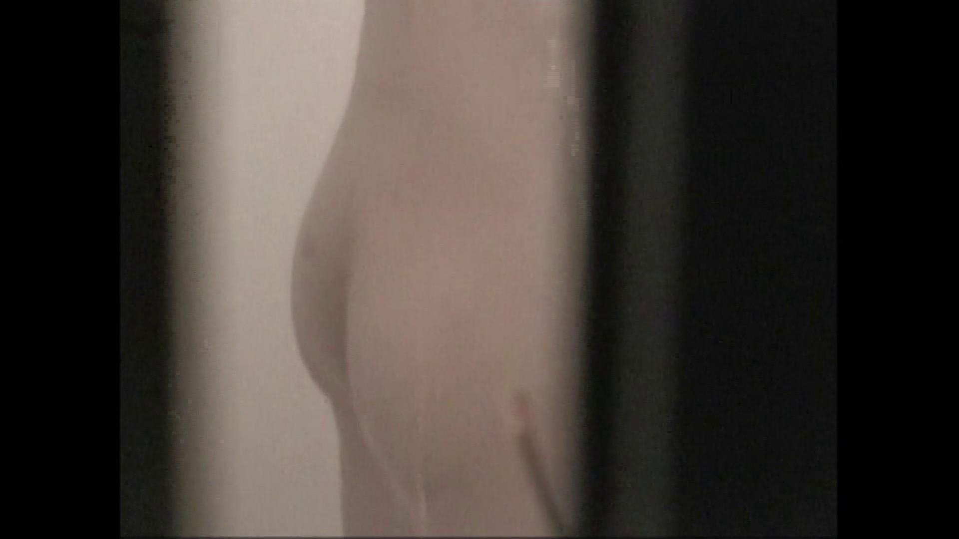 隙間からノゾク風呂 Vol.29 股をグイッとひらいて・・・。 入浴中の女性 | OLのボディ  69PIX 53