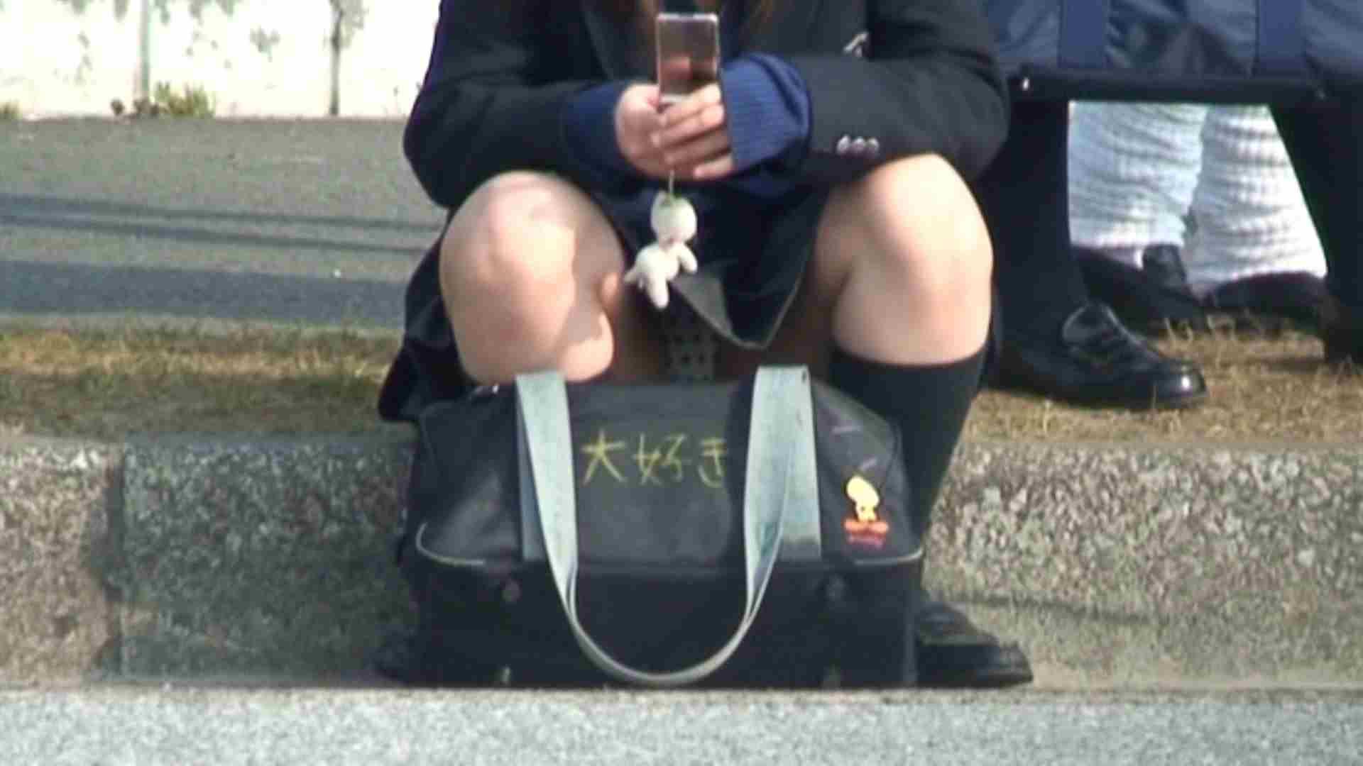 望遠パンチラNo14 車 スケベ動画紹介 50PIX 3
