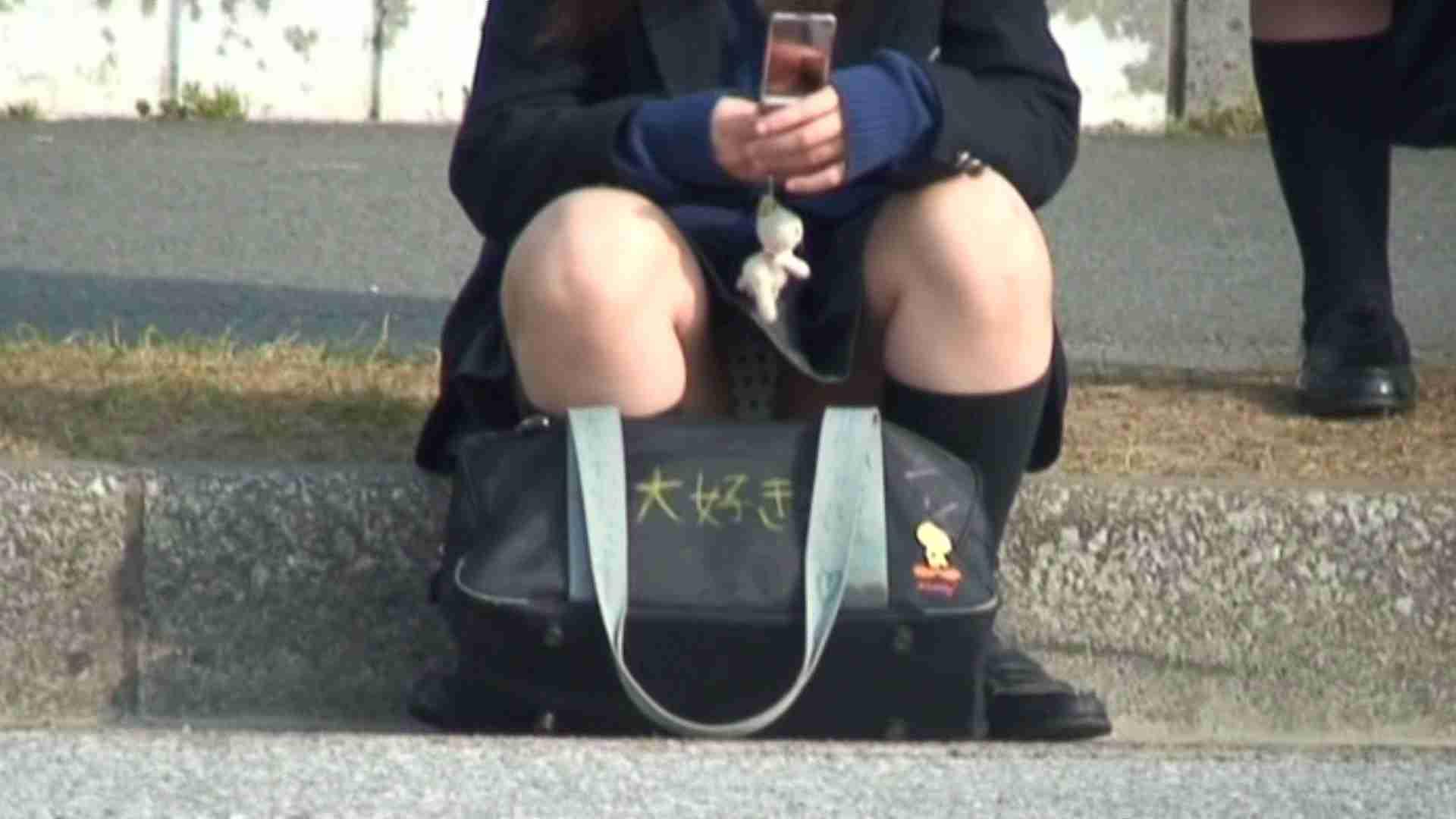 望遠パンチラNo14 車 スケベ動画紹介 50PIX 33