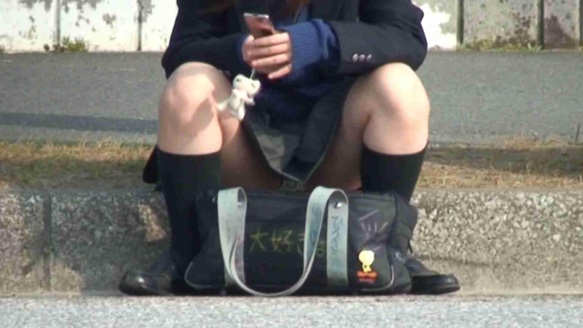 望遠パンチラNo14 車 スケベ動画紹介 50PIX 48