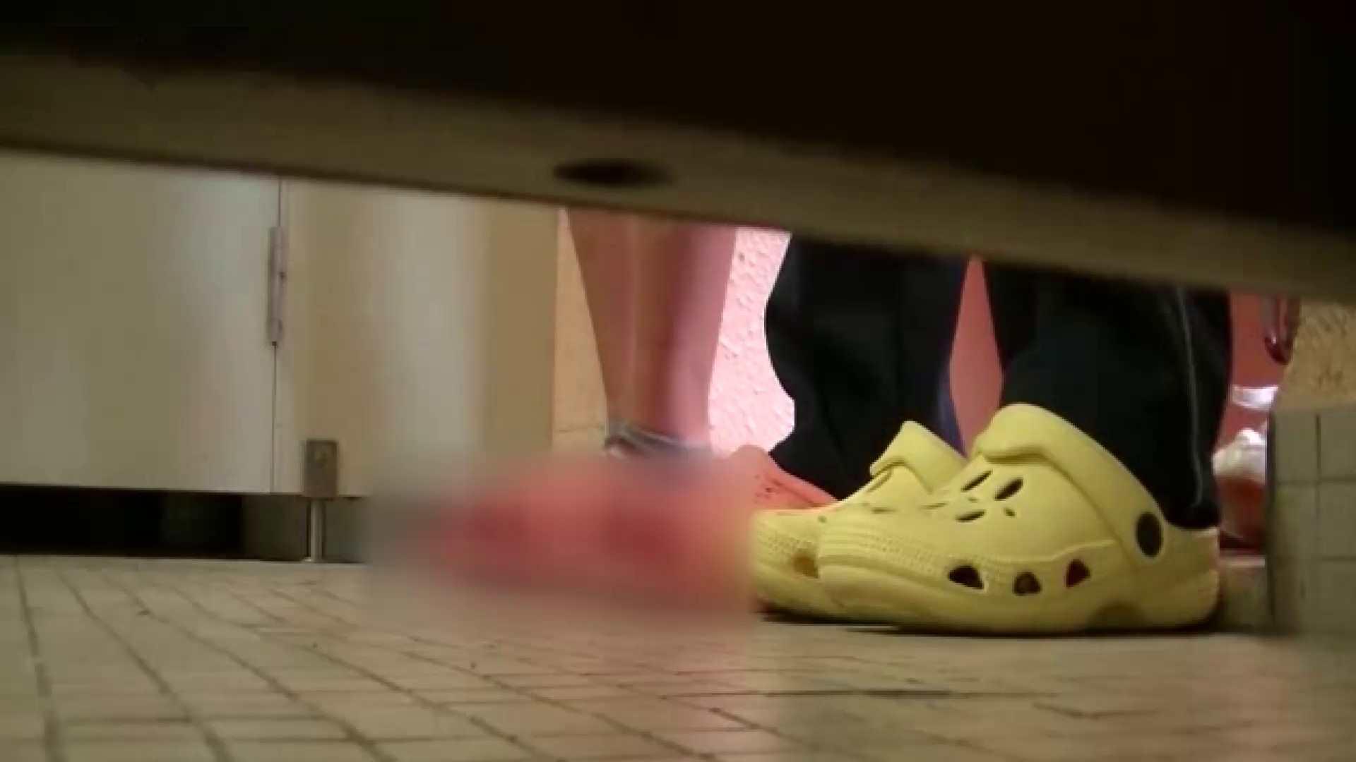 夏の思い出浜辺トイレ盗撮Vol.23 盗撮 隠し撮りオマンコ動画紹介 95PIX 12