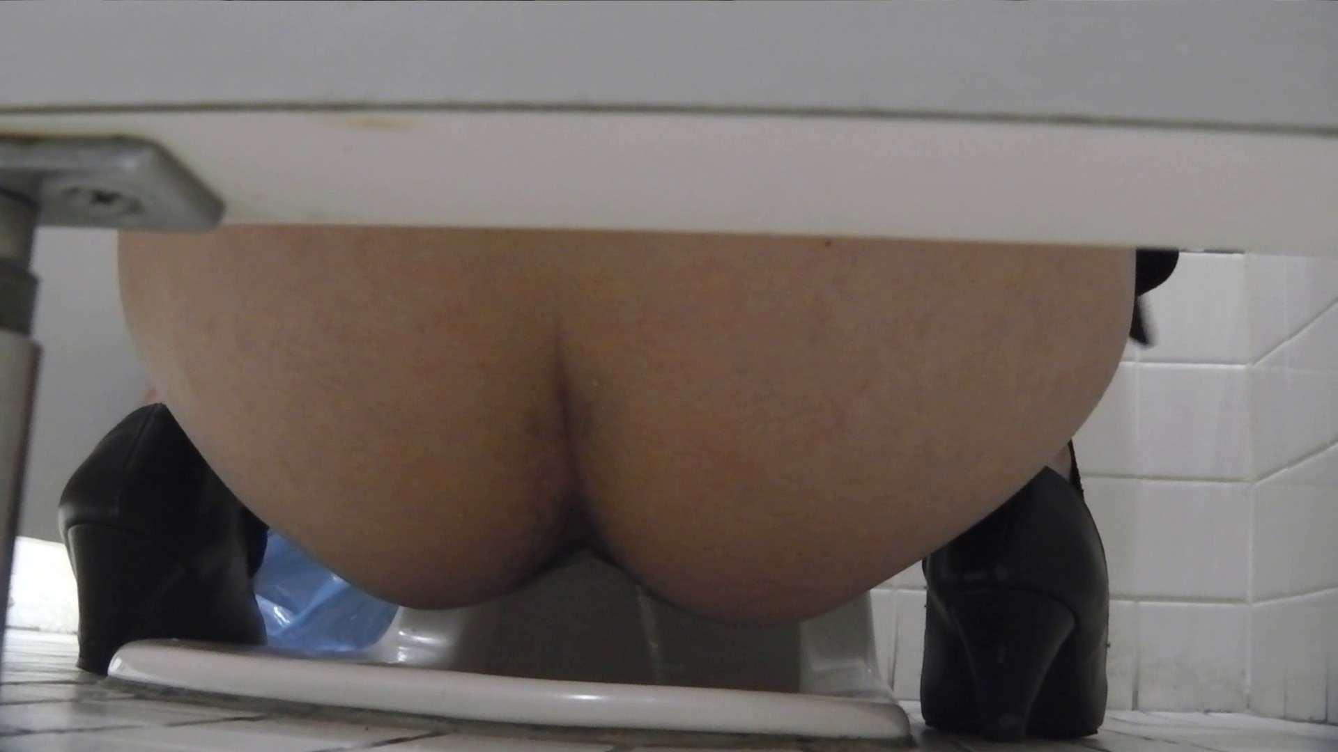 お銀さんの「洗面所突入レポート!!」Nol.22 美人   洗面所  90PIX 52