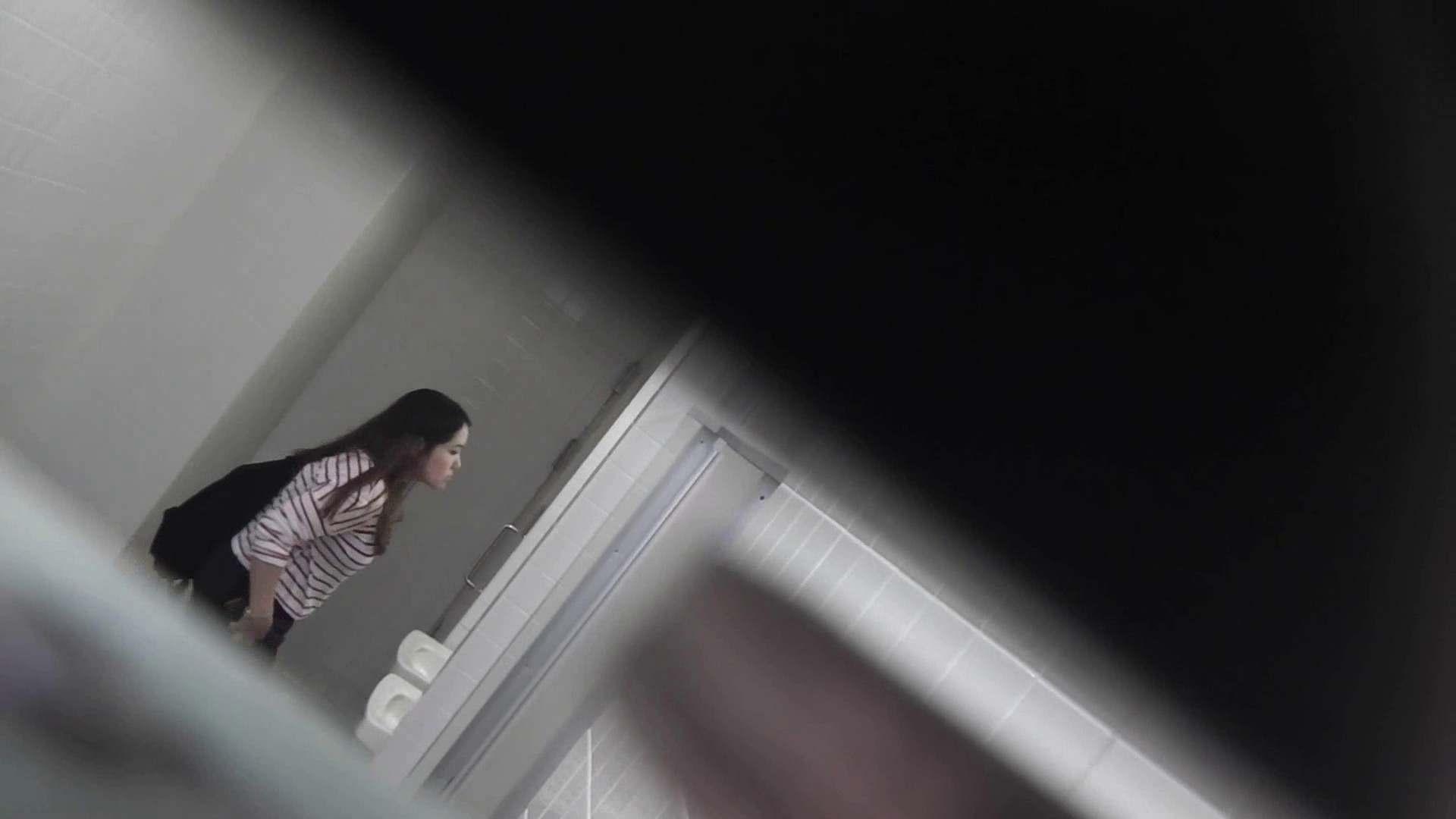 お銀さんの「洗面所突入レポート!!」 vol.28小島陽菜似のピンクオシャレさん 美人 | OLのボディ  88PIX 70