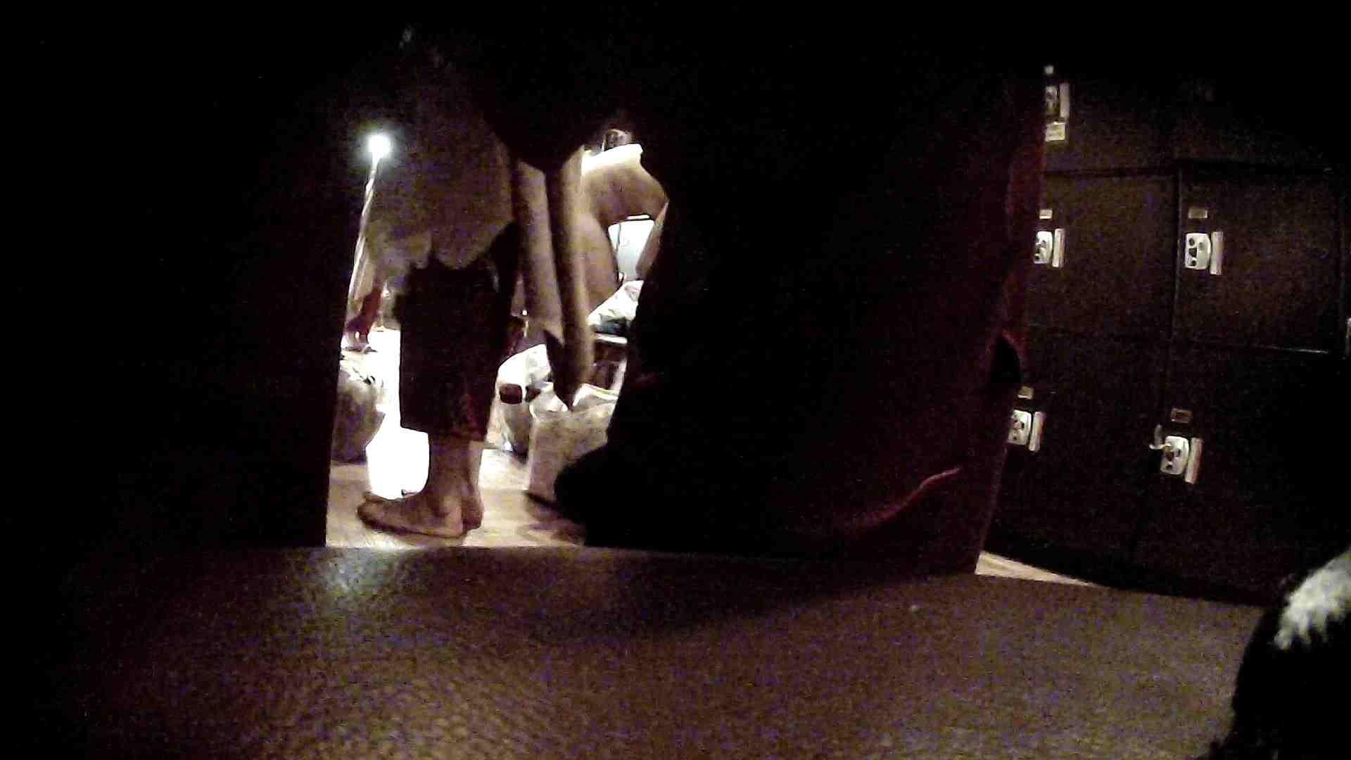 オムニバスVol.5 脱衣所のイケイケギャルがお勧め 銭湯 ワレメ動画紹介 97PIX 8