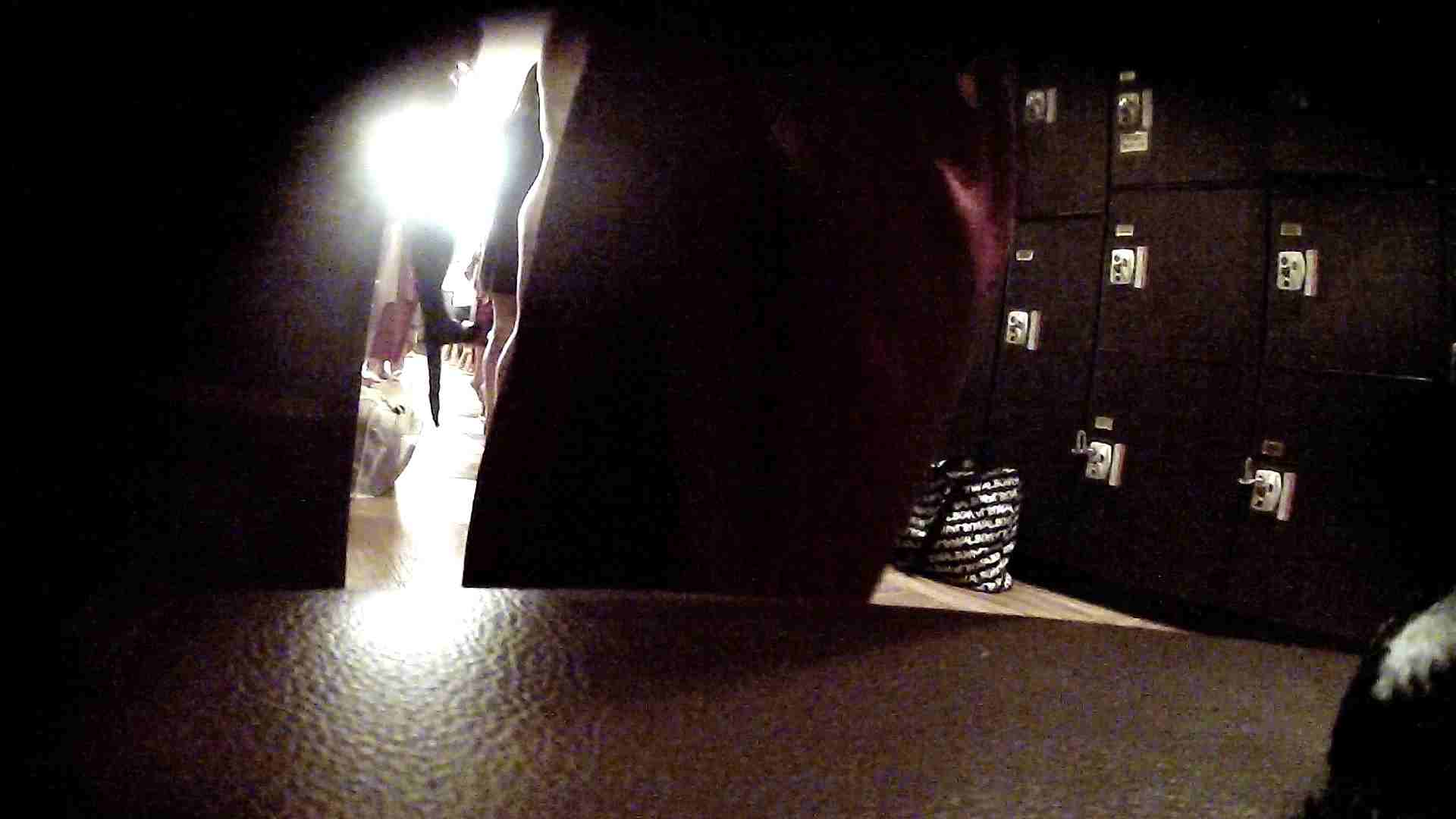 オムニバスVol.5 脱衣所のイケイケギャルがお勧め ギャル盗撮映像  97PIX 10