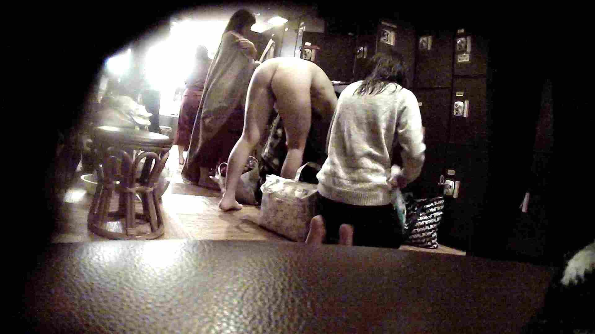 オムニバスVol.5 脱衣所のイケイケギャルがお勧め 脱衣所 すけべAV動画紹介 97PIX 19