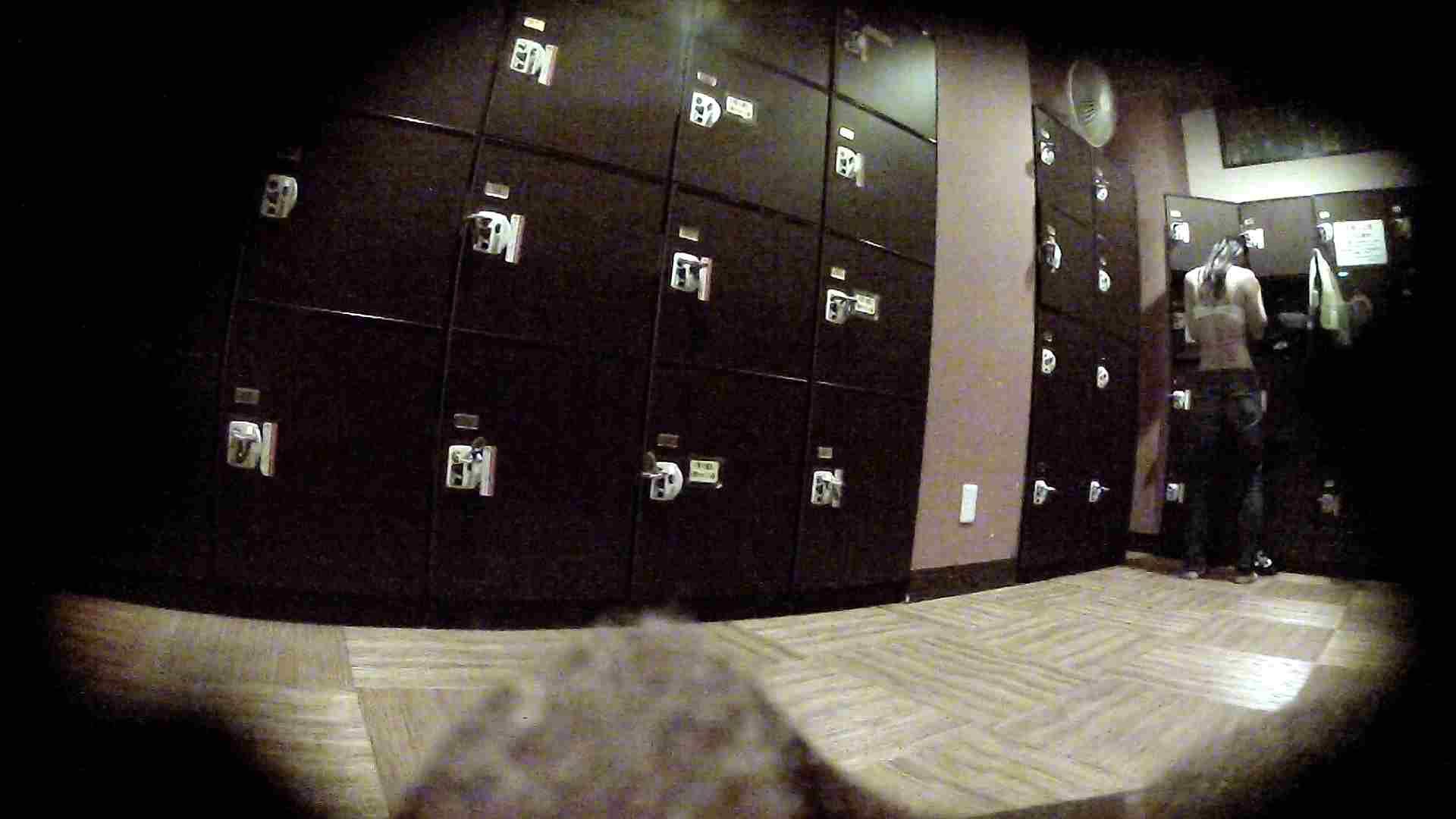 オムニバスVol.5 脱衣所のイケイケギャルがお勧め 銭湯 ワレメ動画紹介 97PIX 53