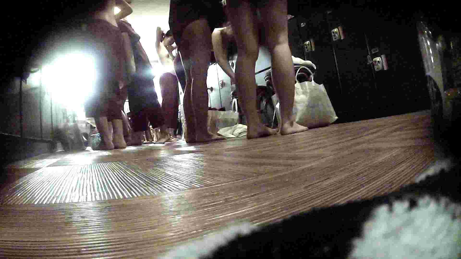 オムニバスVol.5 脱衣所のイケイケギャルがお勧め ギャル盗撮映像  97PIX 65