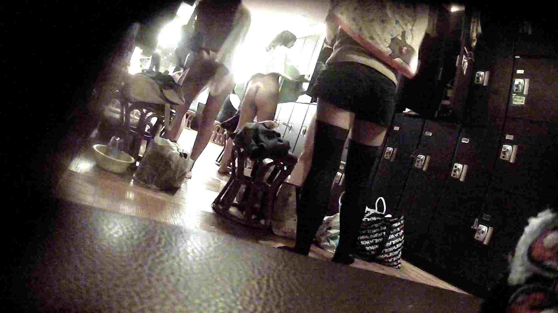オムニバスVol.5 脱衣所のイケイケギャルがお勧め ギャル盗撮映像 | OLのボディ  97PIX 81