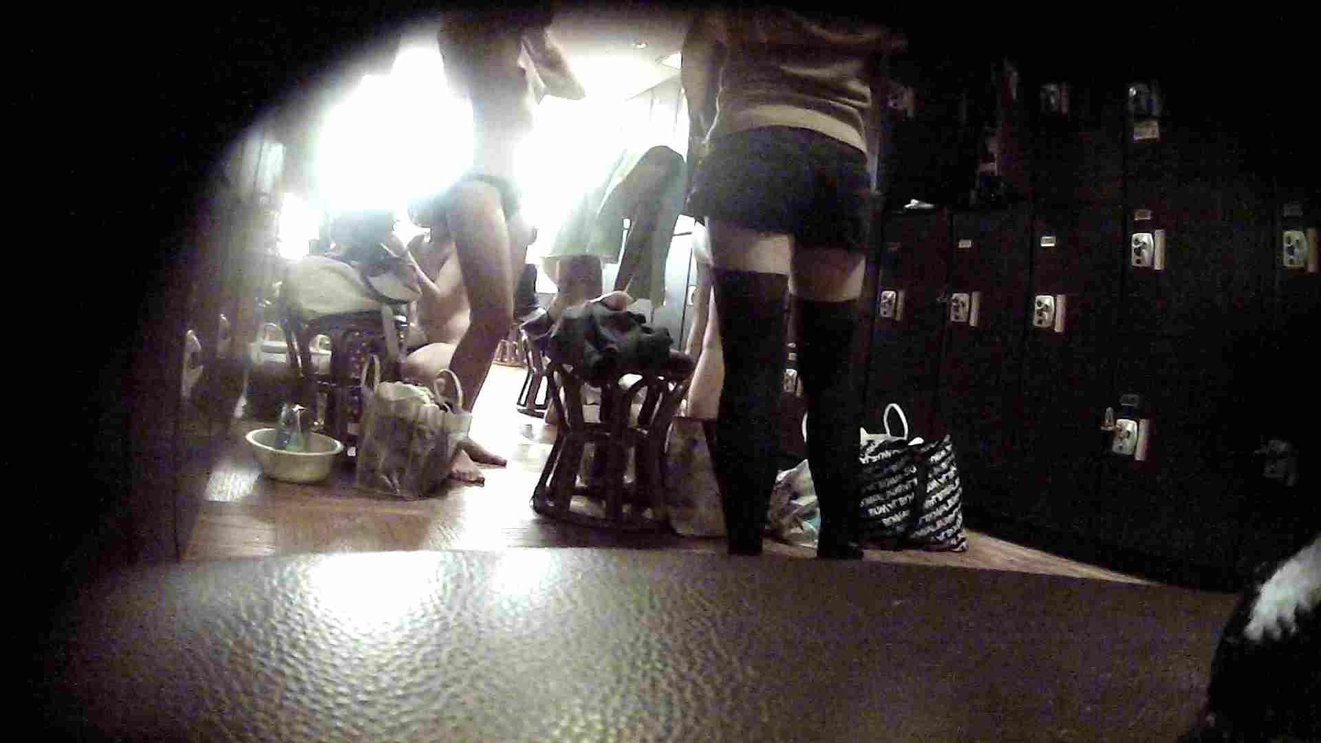 オムニバスVol.5 脱衣所のイケイケギャルがお勧め ギャル盗撮映像  97PIX 85