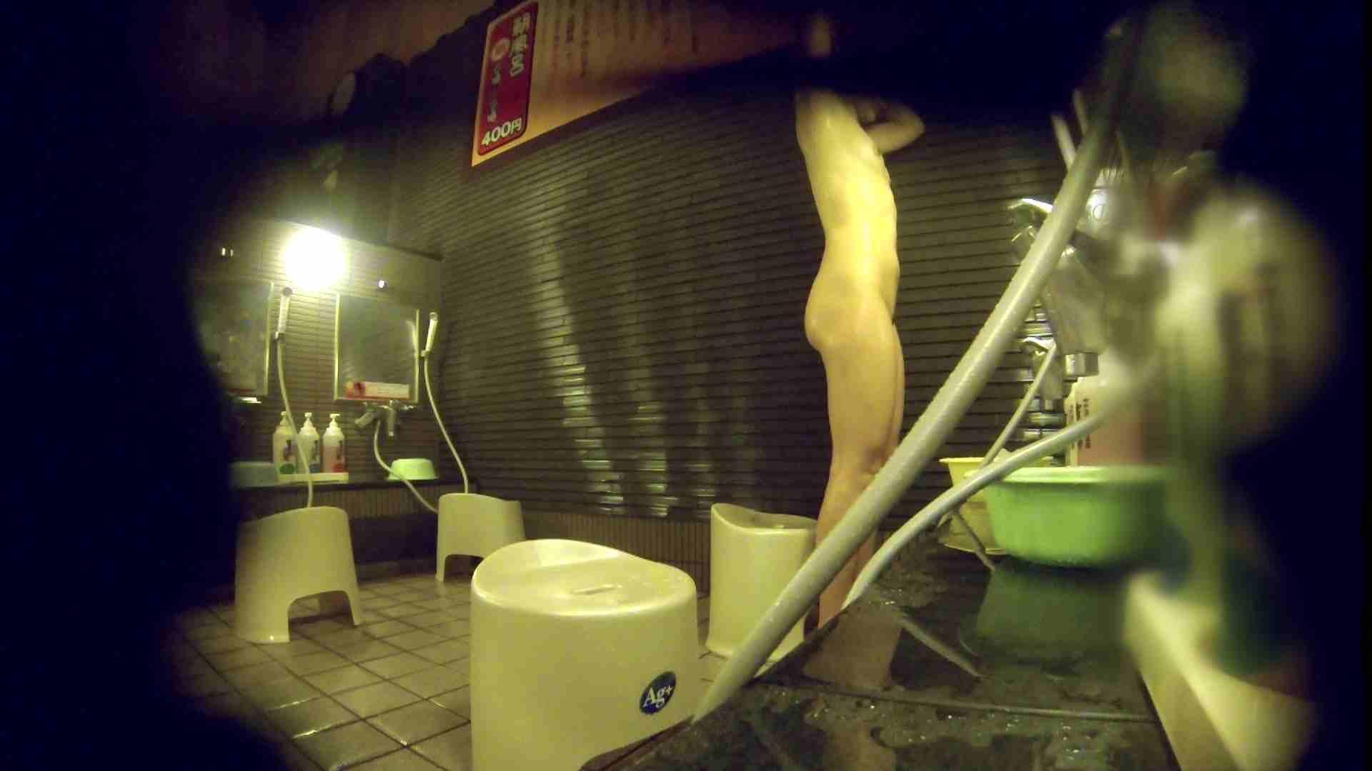 洗い場!しかし・・・綺麗な顔をしてますね。結婚したいな。 潜入   銭湯  72PIX 11