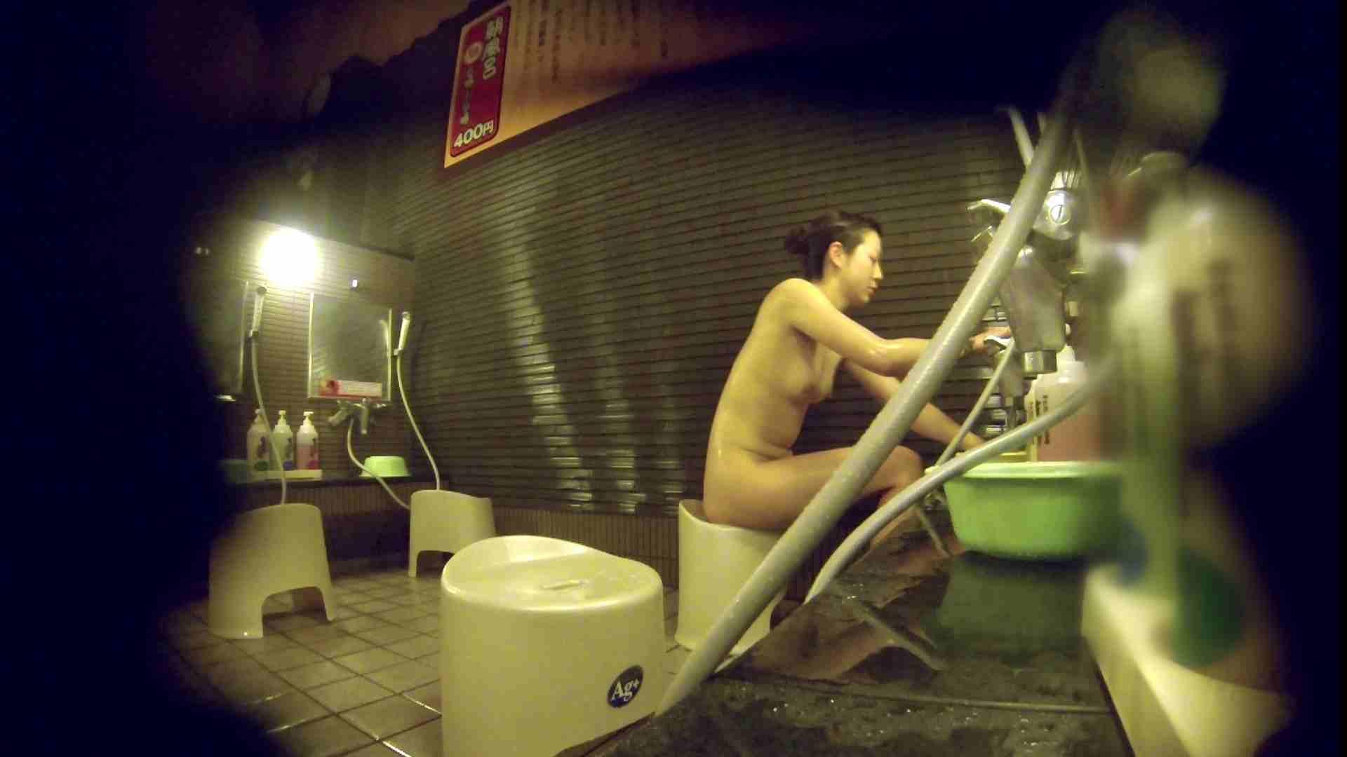 洗い場!しかし・・・綺麗な顔をしてますね。結婚したいな。 潜入  72PIX 14