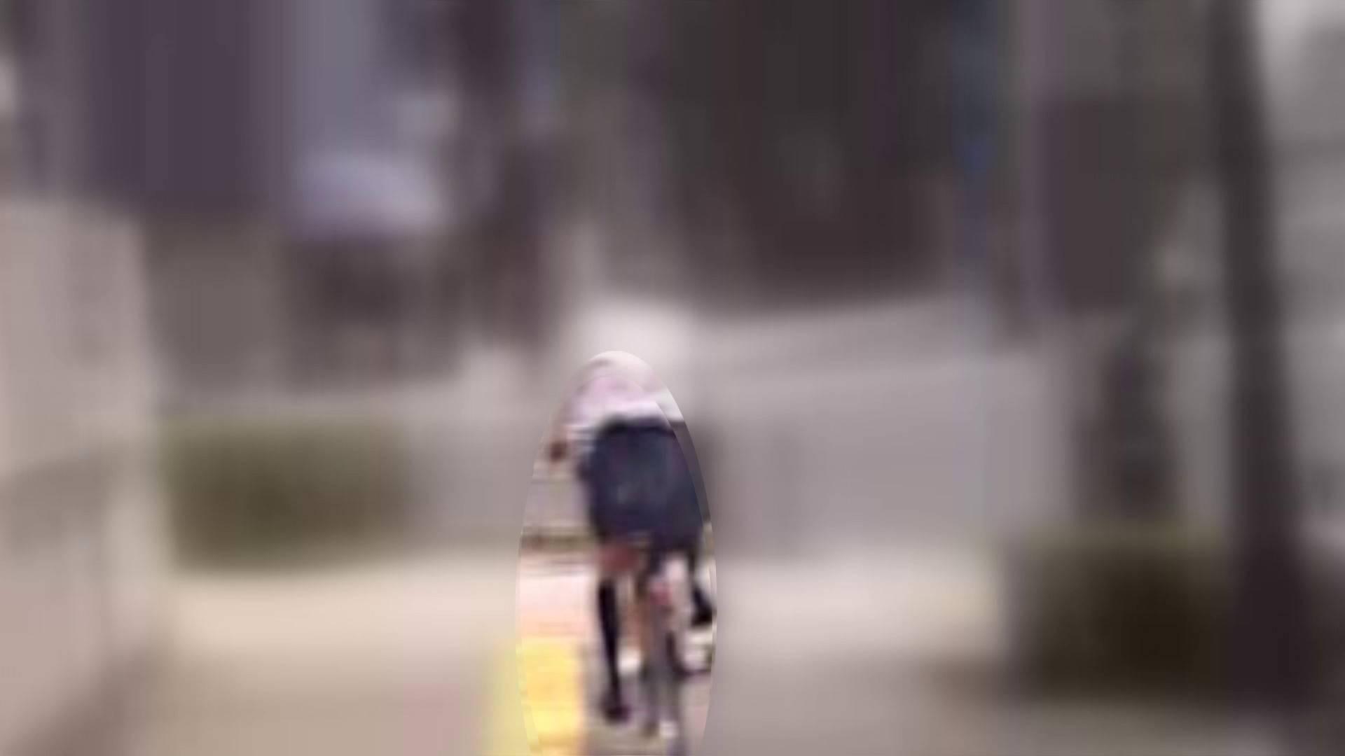 自転車パンチラ Vol.05 チラ見せ 濡れ場動画紹介 98PIX 3