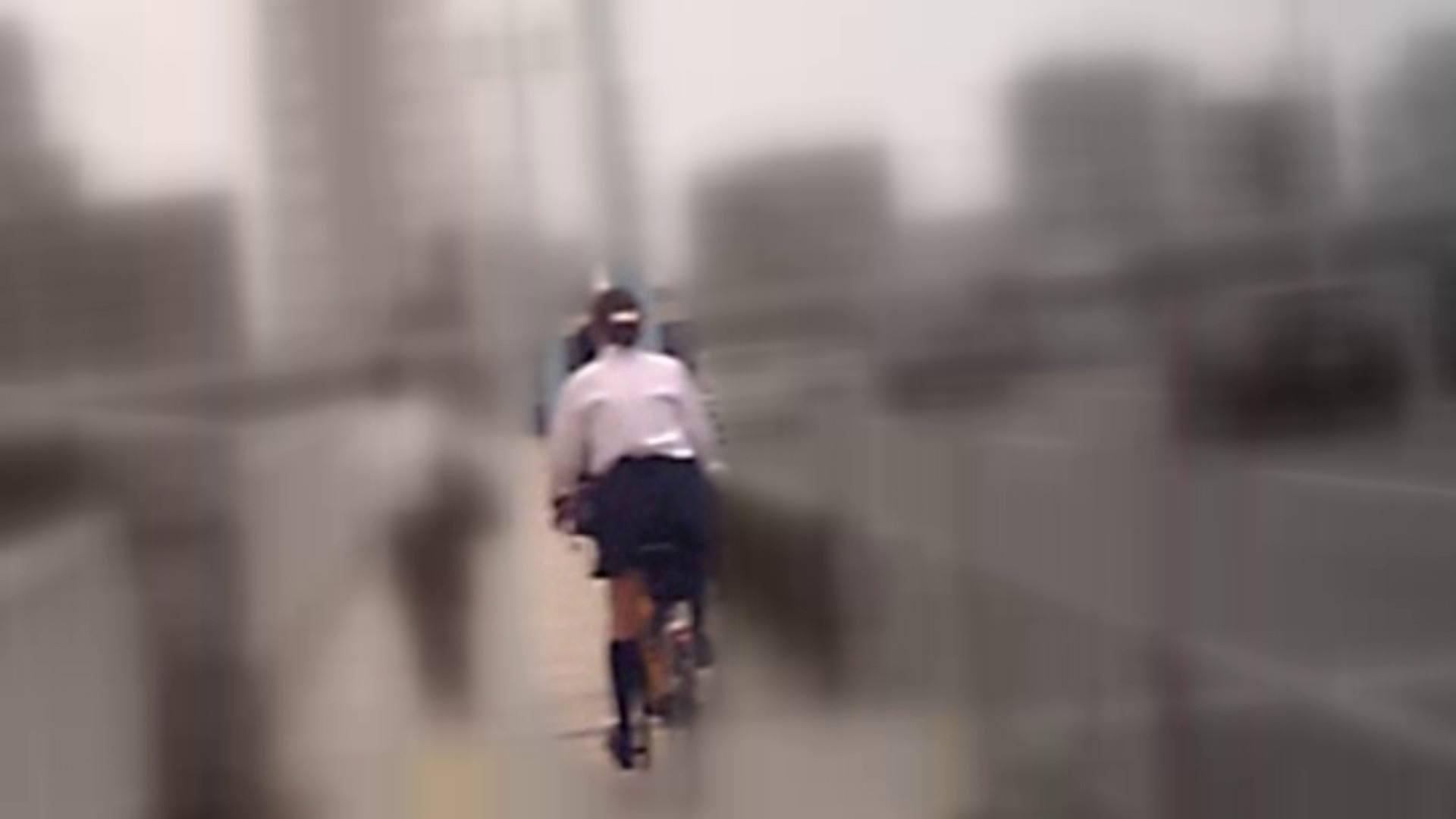 自転車パンチラ Vol.05 チラ見せ 濡れ場動画紹介 98PIX 27