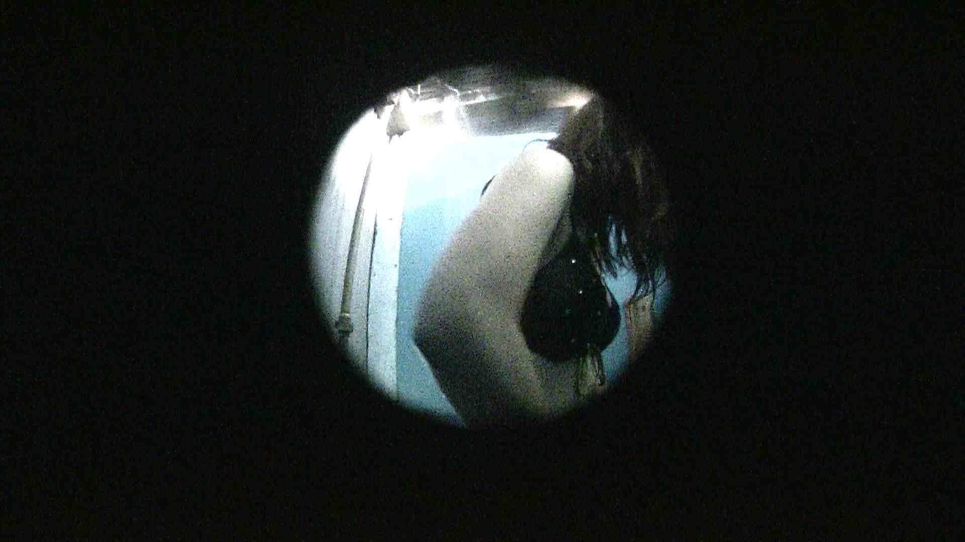 NO.13 暗いですが豪快な砂落としが好印象 シャワー | シャワー室  88PIX 58