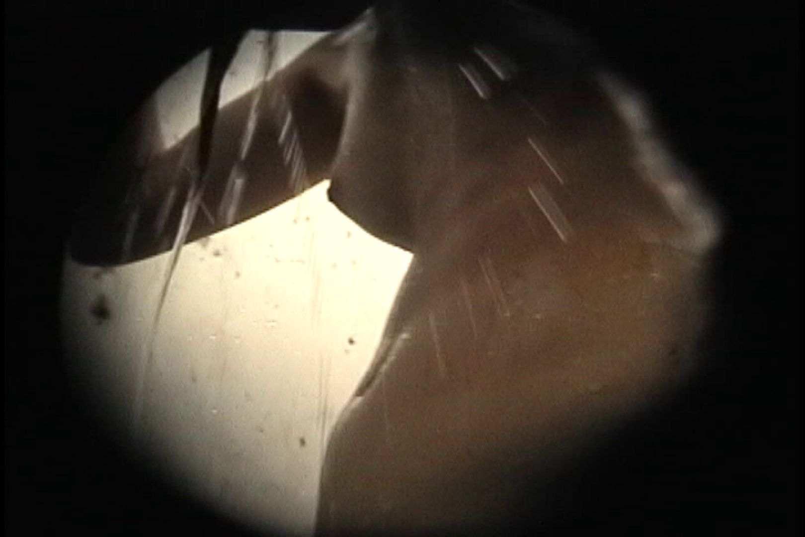 No.107 さすがの画質!濃い陰毛に阻まれ道が見えません シャワー  96PIX 54