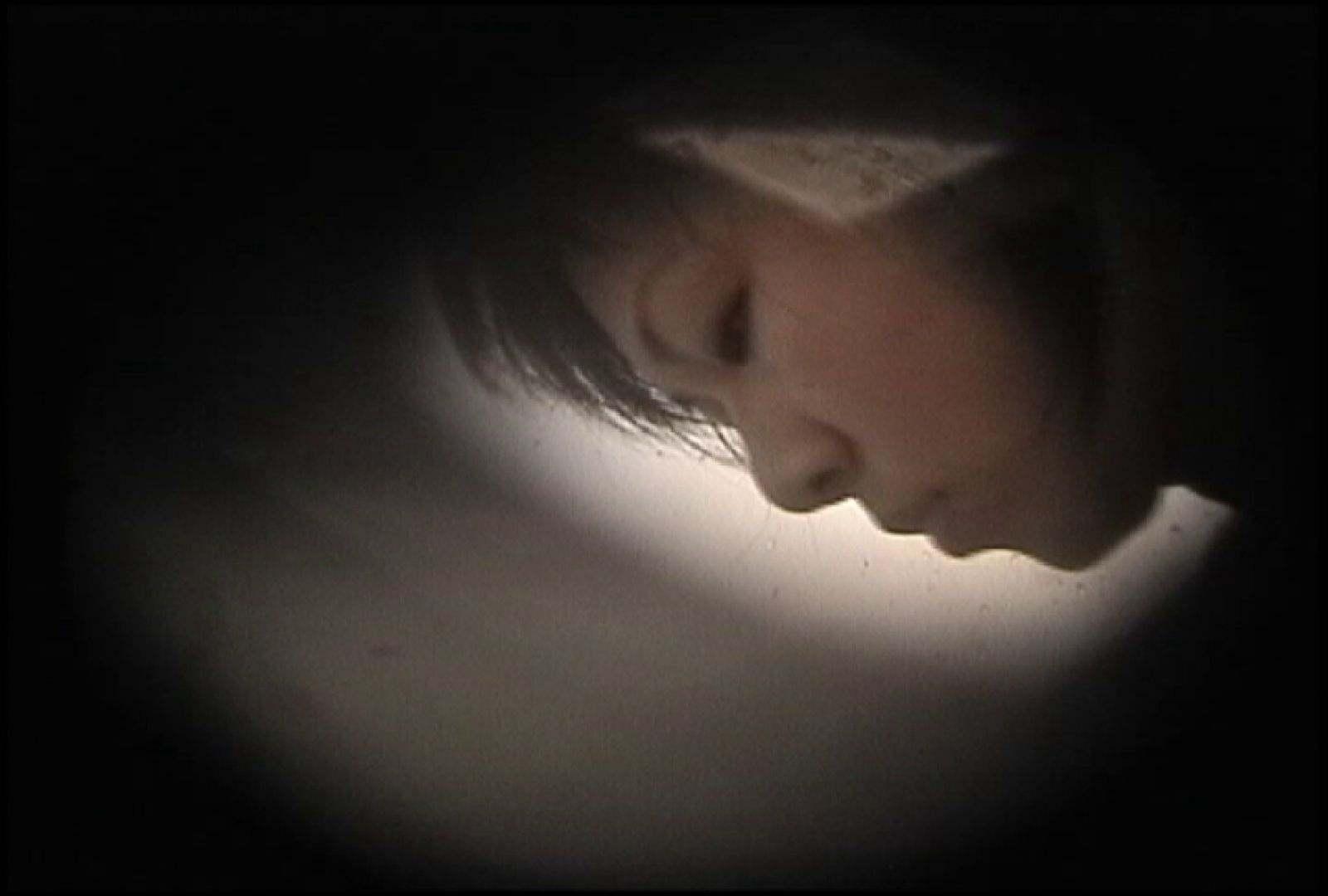 No.131 柔らかいおっぱいをブラに収める仕草 シャワー われめAV動画紹介 68PIX 62