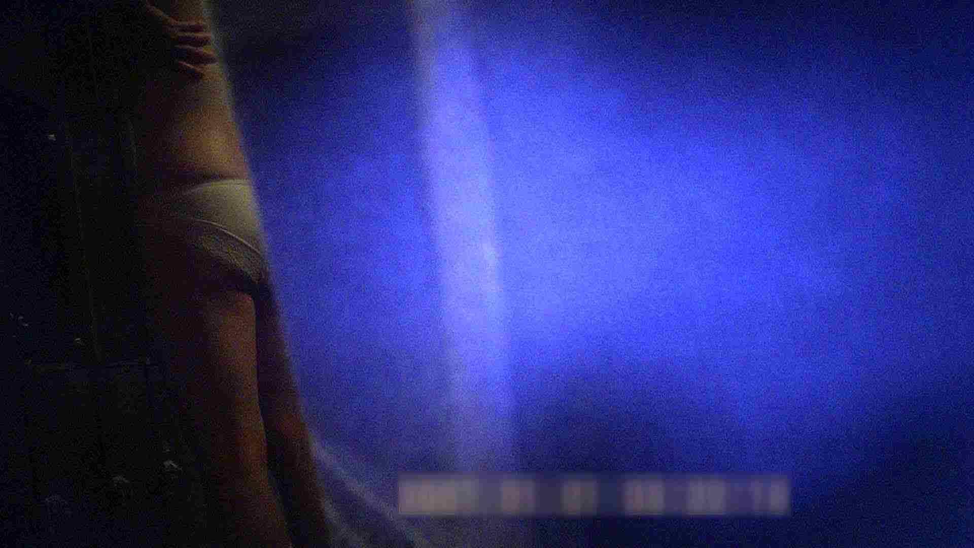 TG.03 【二等兵】奥様方の白パンツをじっくりと パンツの中は。。 | 潜入  65PIX 22