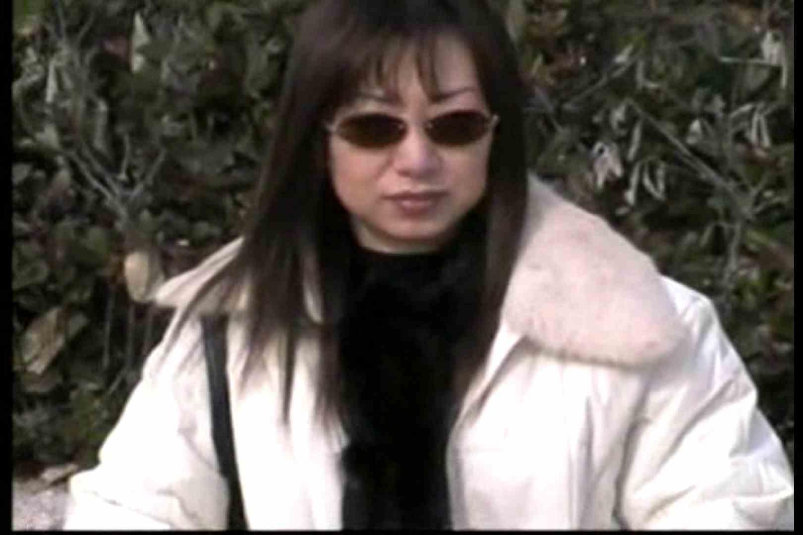 美熟女の野外露出プレイ 熟女 盗み撮り動画キャプチャ 107PIX 46