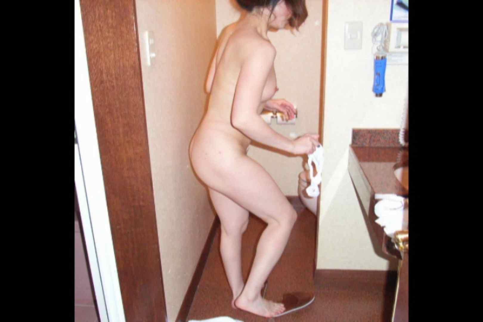 某掲示板に投稿された素人女性たちVOL.9 ホテル  94PIX 18